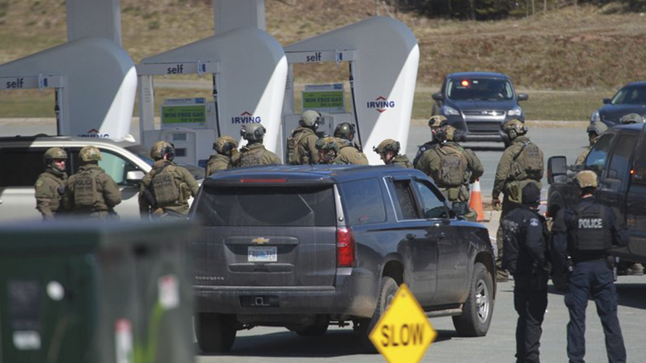 At Least 10 Killed In Shooting Rampage In Canada, Suspected Shooter Dead dedans Police Script Ecole