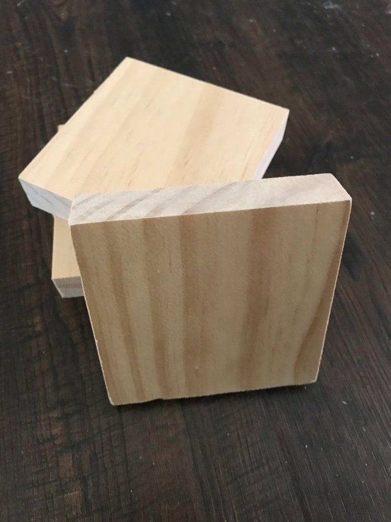 """Blanc Carreaux De Bois Pour Bricolage Scrabble Mur Carreaux Noms De Famille  3 1/2 """"x 3/4"""" Avec Trou De Serrure Pour Accrocher Au Mur tout Bricolage Avec Baton De Bois"""