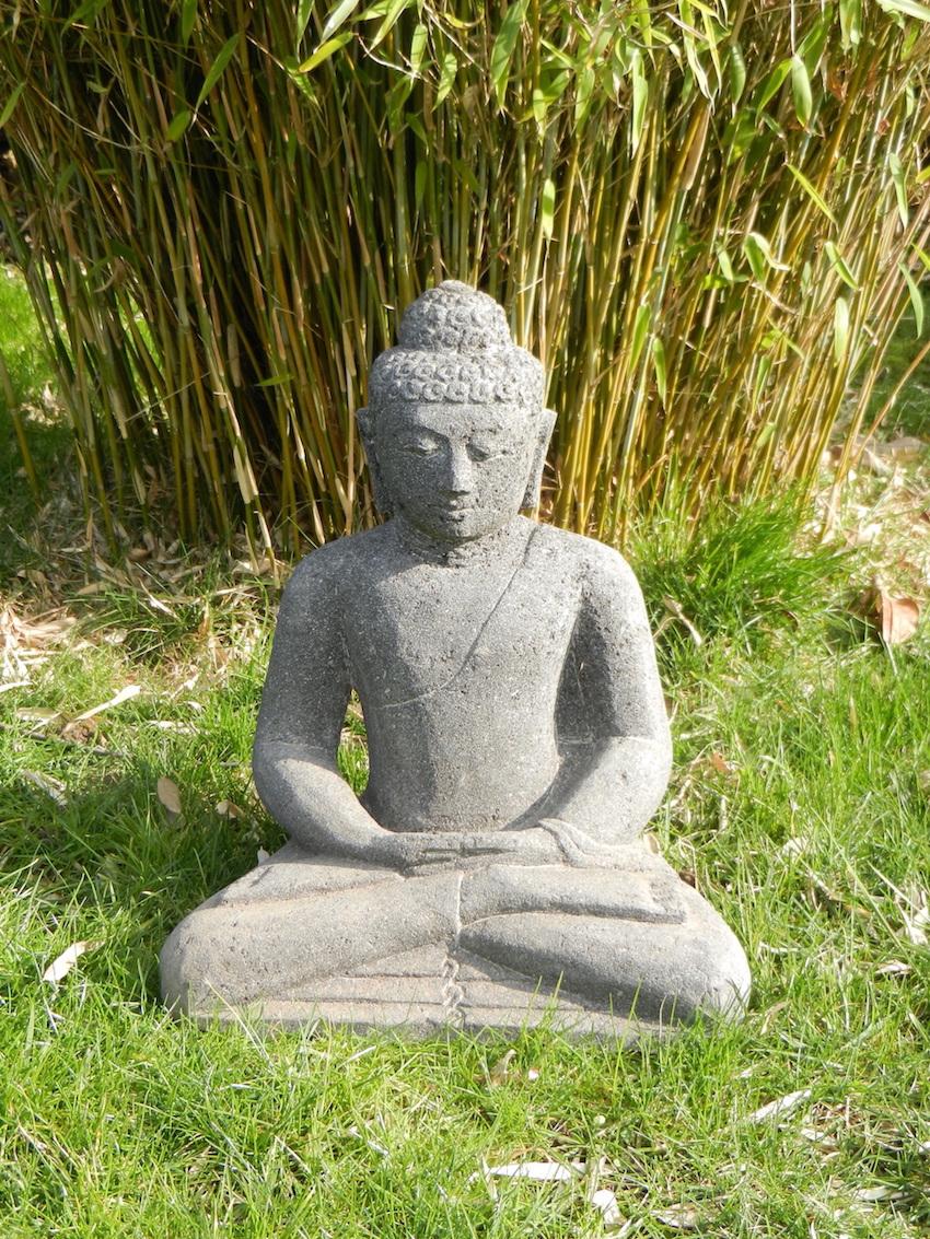 Bouddha En Pierre De Lave-Pas Coulée pour La Grenouille Meditation