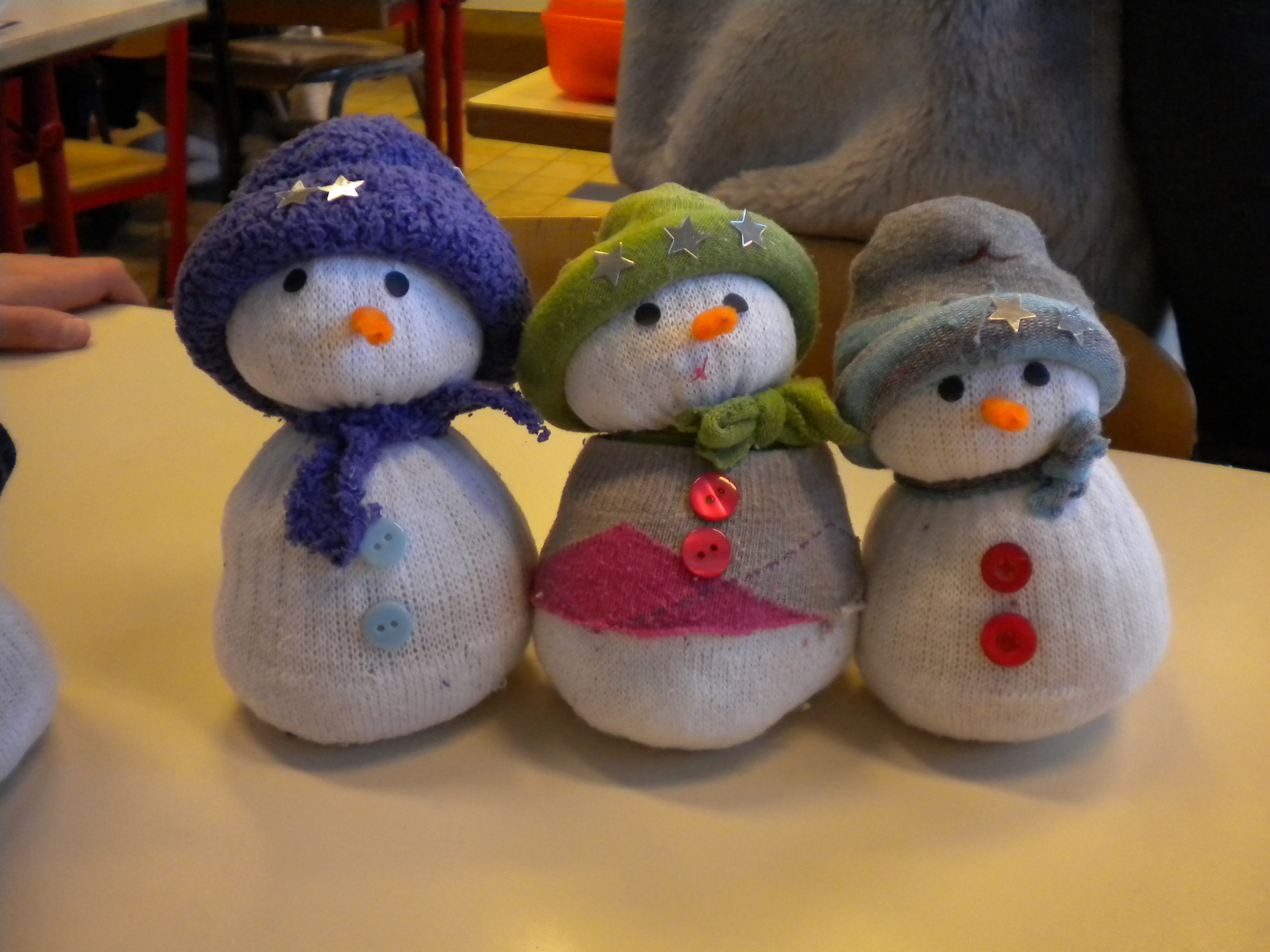 """Bricolage De Noël : Le Bonhomme De Neige """"chaussettes"""" - Un avec Bricolage De Noel Pour Maternelle"""