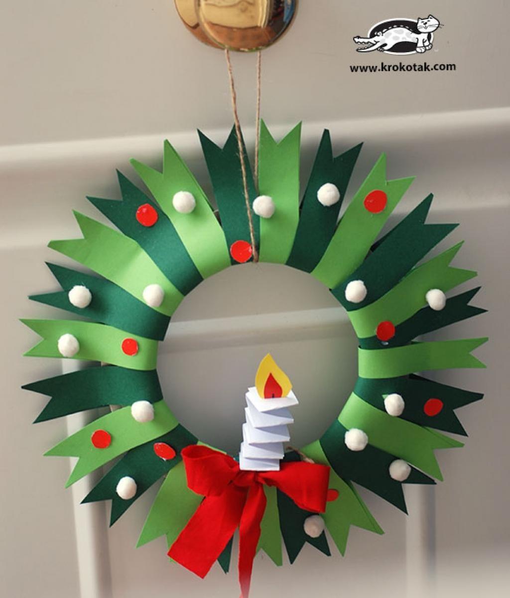 Bricolez Une Magnifique Couronne De Noël Avec Les Enfants, À tout Bricolage De Noel Pour Maternelle