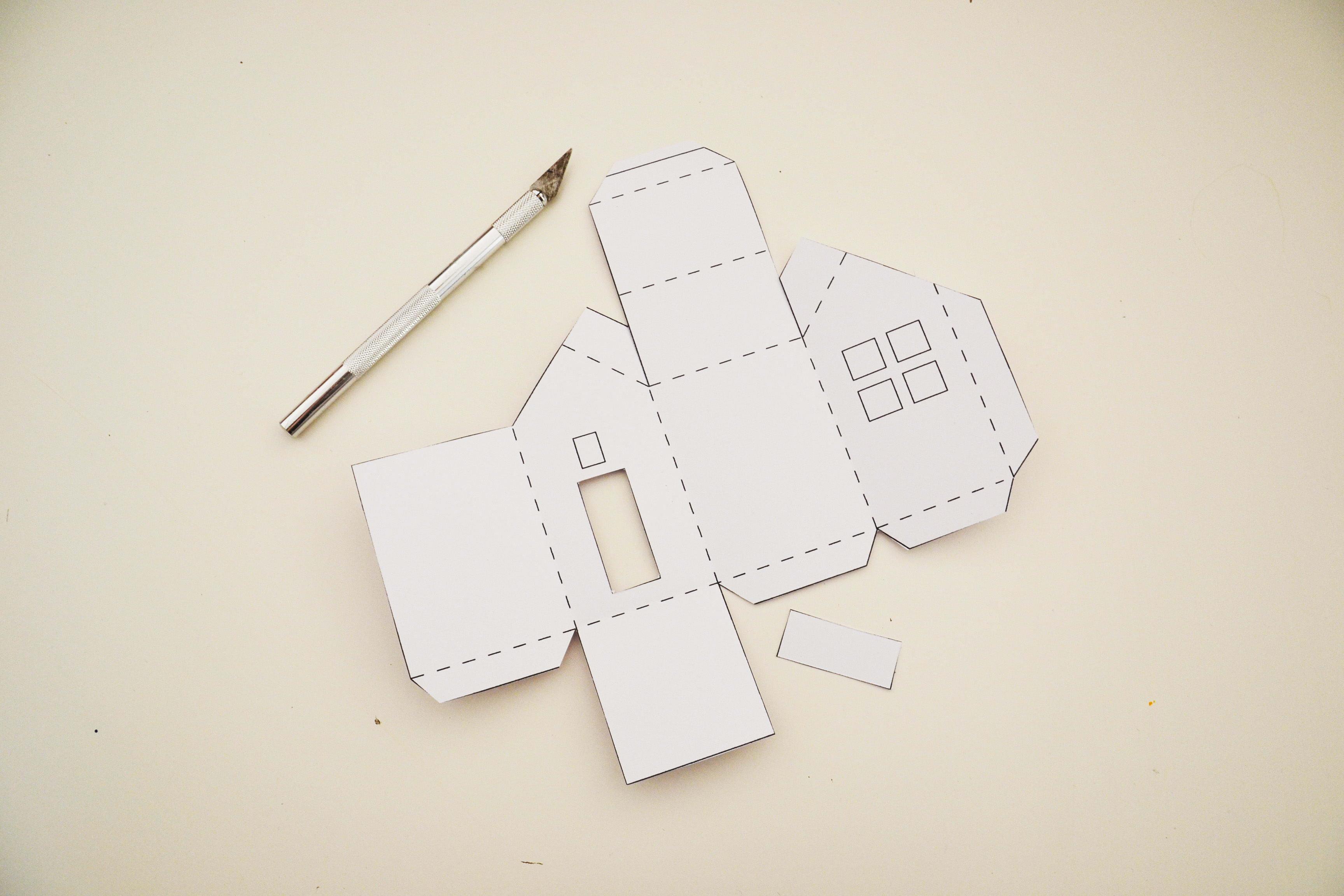 Calendrier De L'avent À Fabriquer : Des Maisonnettes En Papier à Patron De Maison En Papier A Imprimer