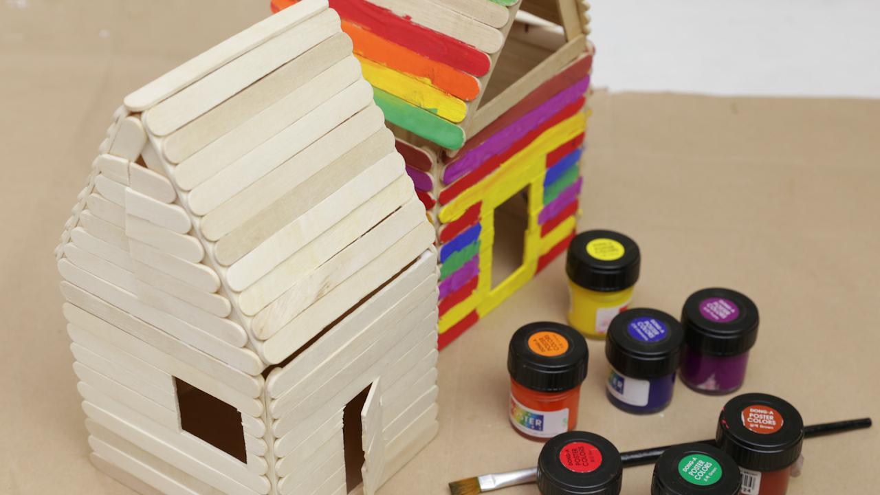 Comment Fabriquer Une Maison En Bâtonnets De Glace concernant Bricolage Avec Baton De Bois