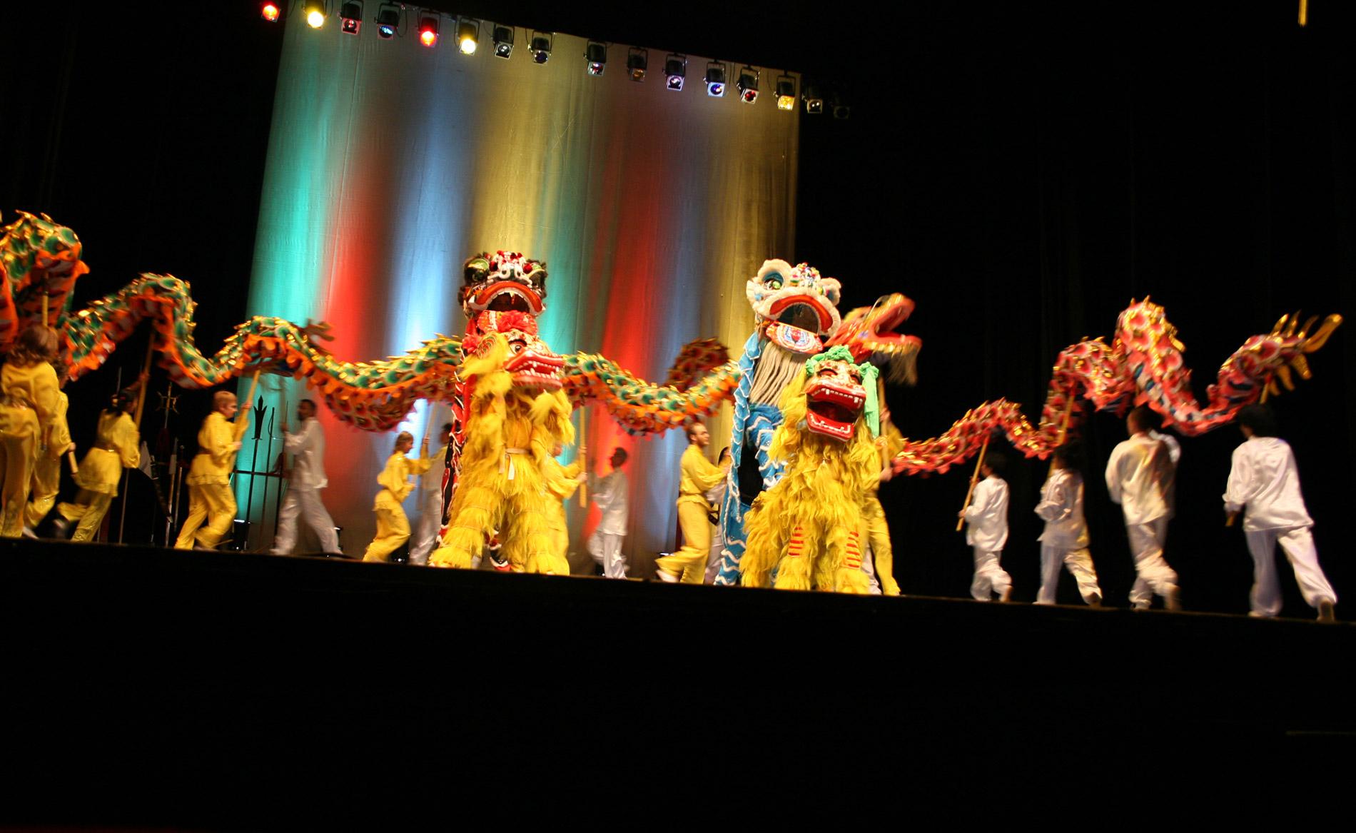 Danse Du Lion - Lu Yun Ling Wushu - Prestations Partout En concernant Spectacle Danse Chinoise