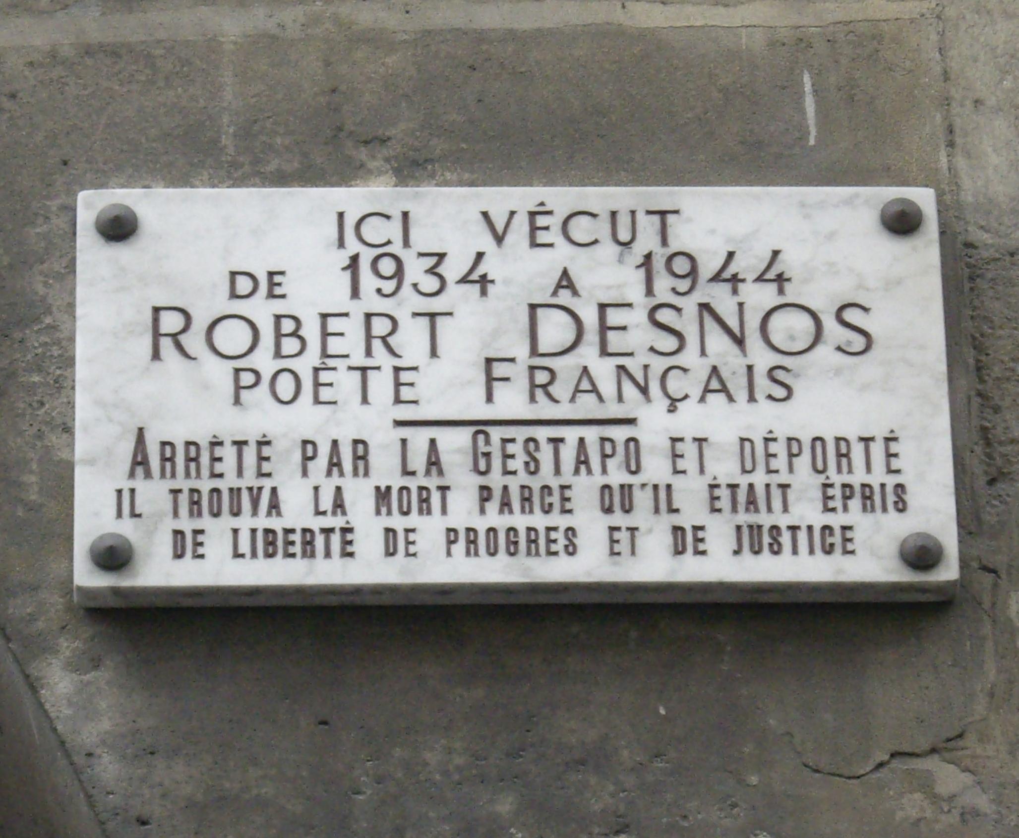 Datei:plaque Robert Desnos, 19 Rue Mazarine, Paris 6 intérieur Poème De Robert Desnos