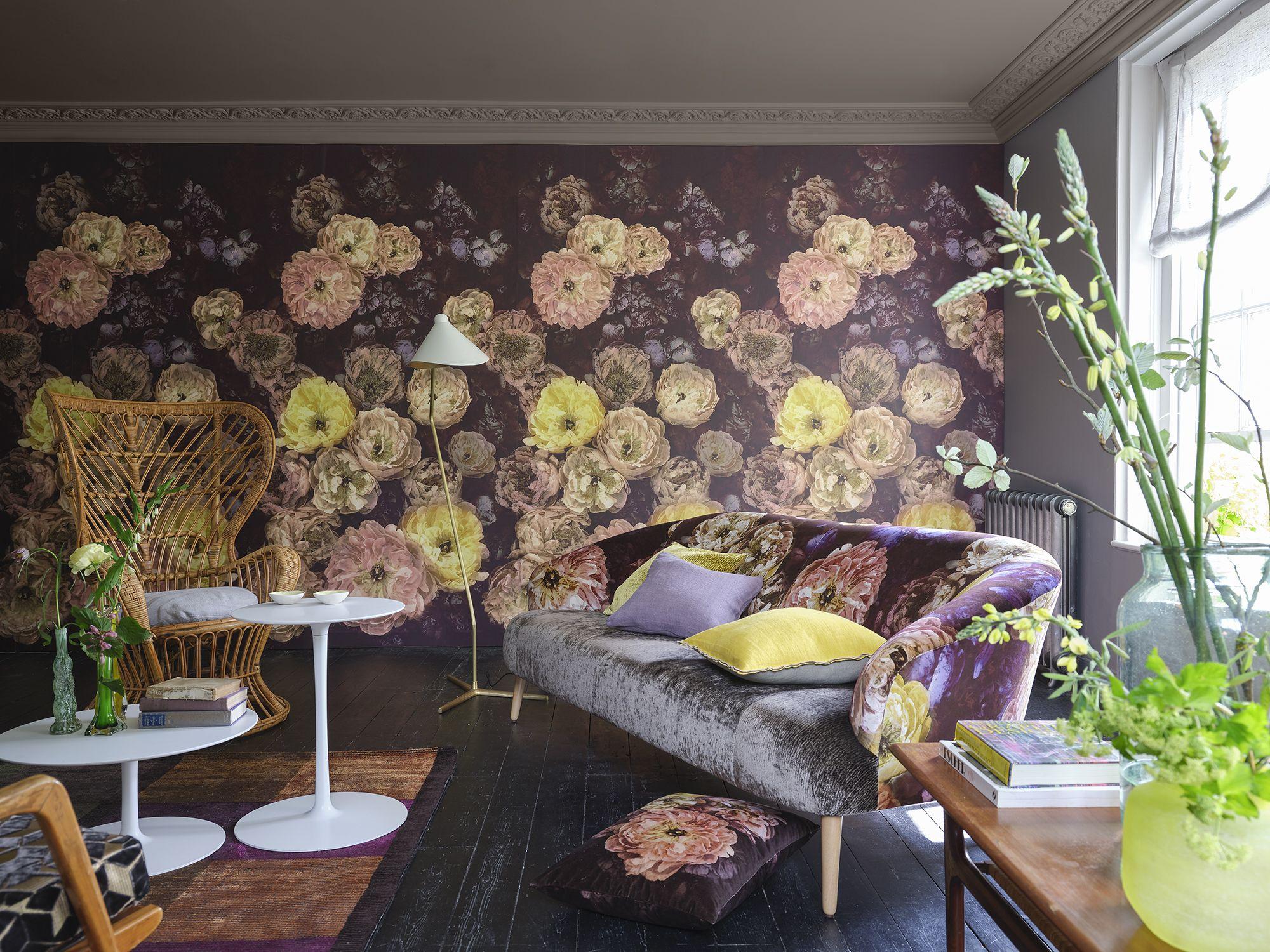 Designers Guild | Le Poeme De Fleurs Wallpaper In Rosewood intérieur Poeme Les Fleurs