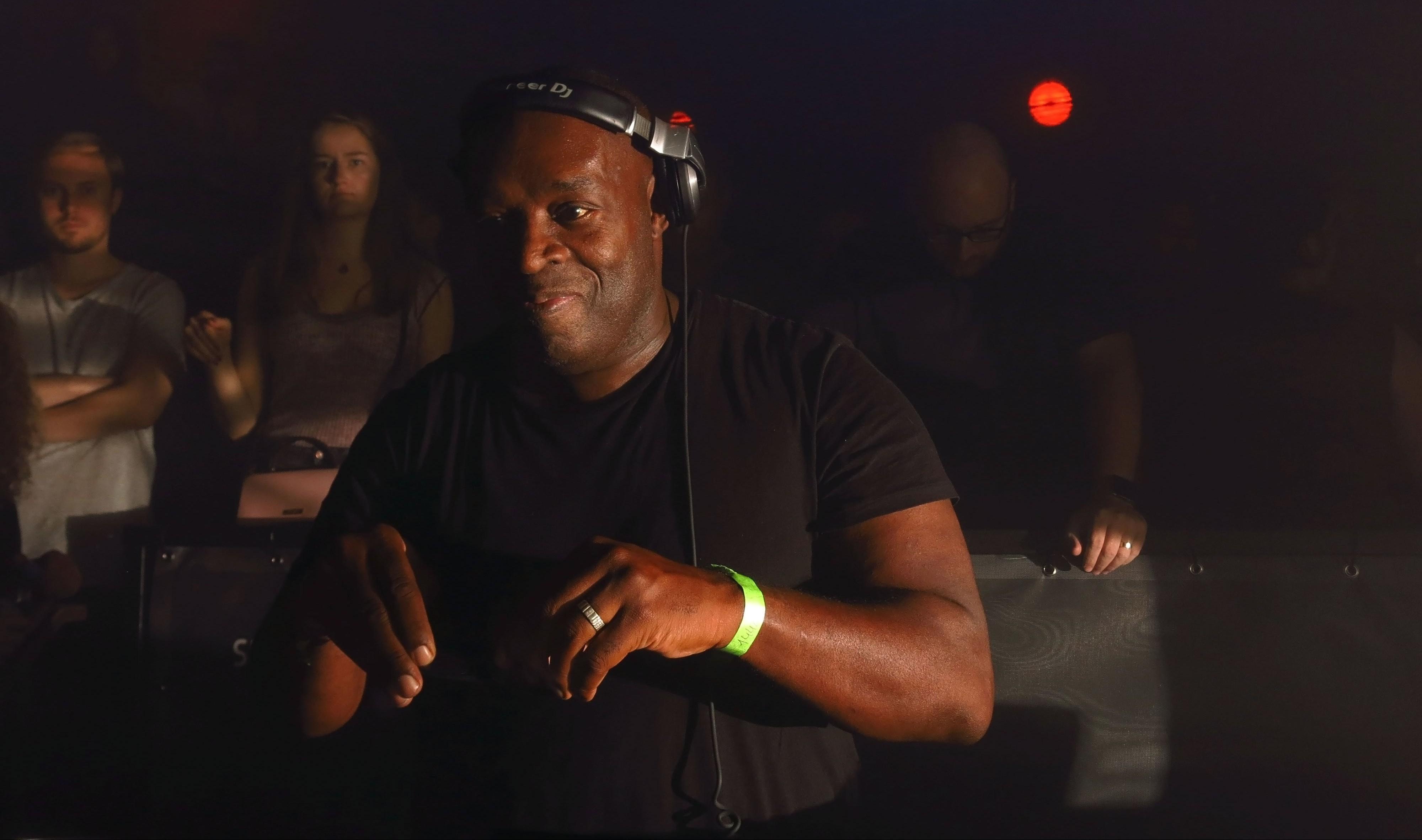 Detroit's Savant Kicks Off Late Night Techno Series With destiné Ours Savant