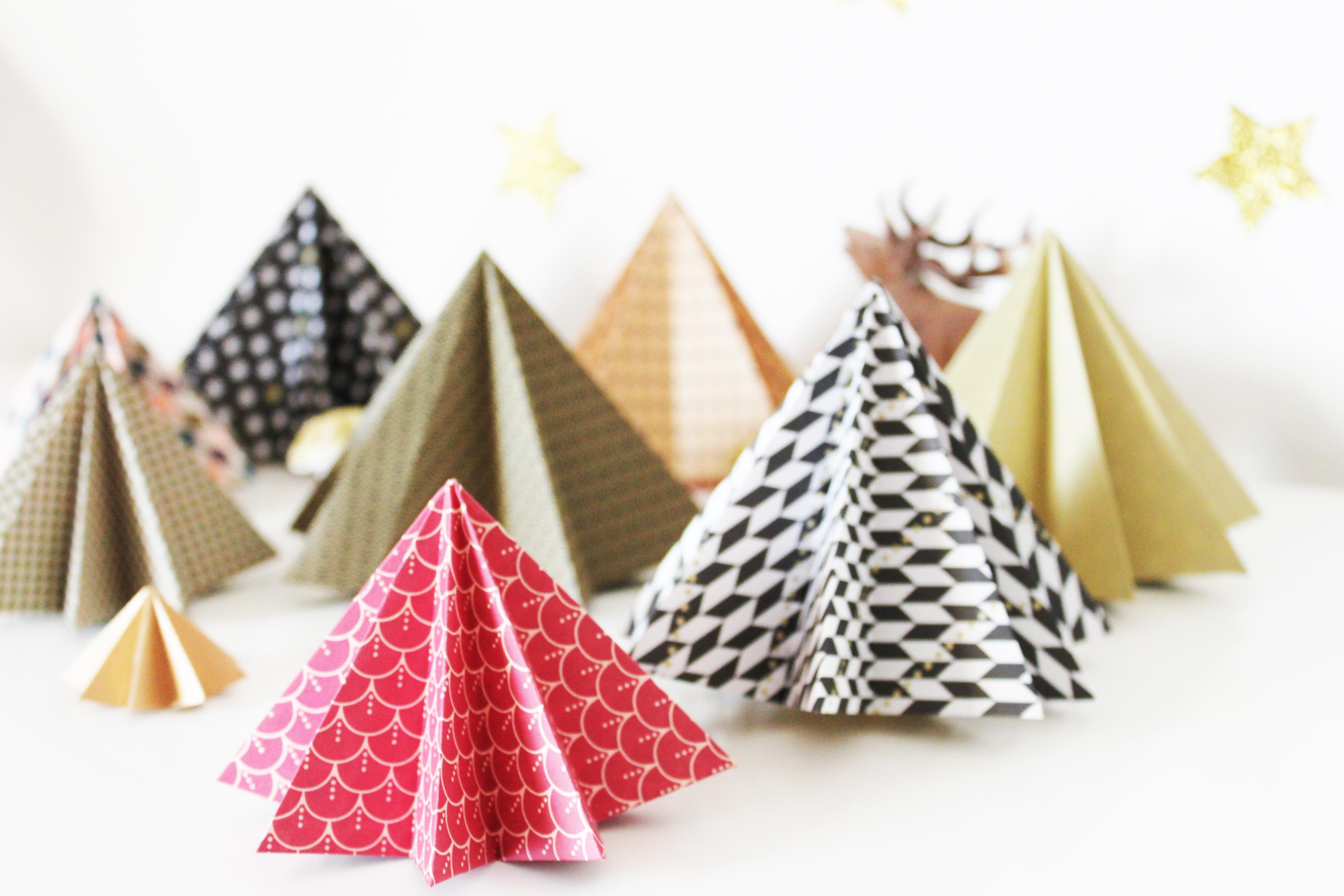 Diy :forêt De Sapins En Origami | La Fabricamania destiné Origami Sapin De Noel