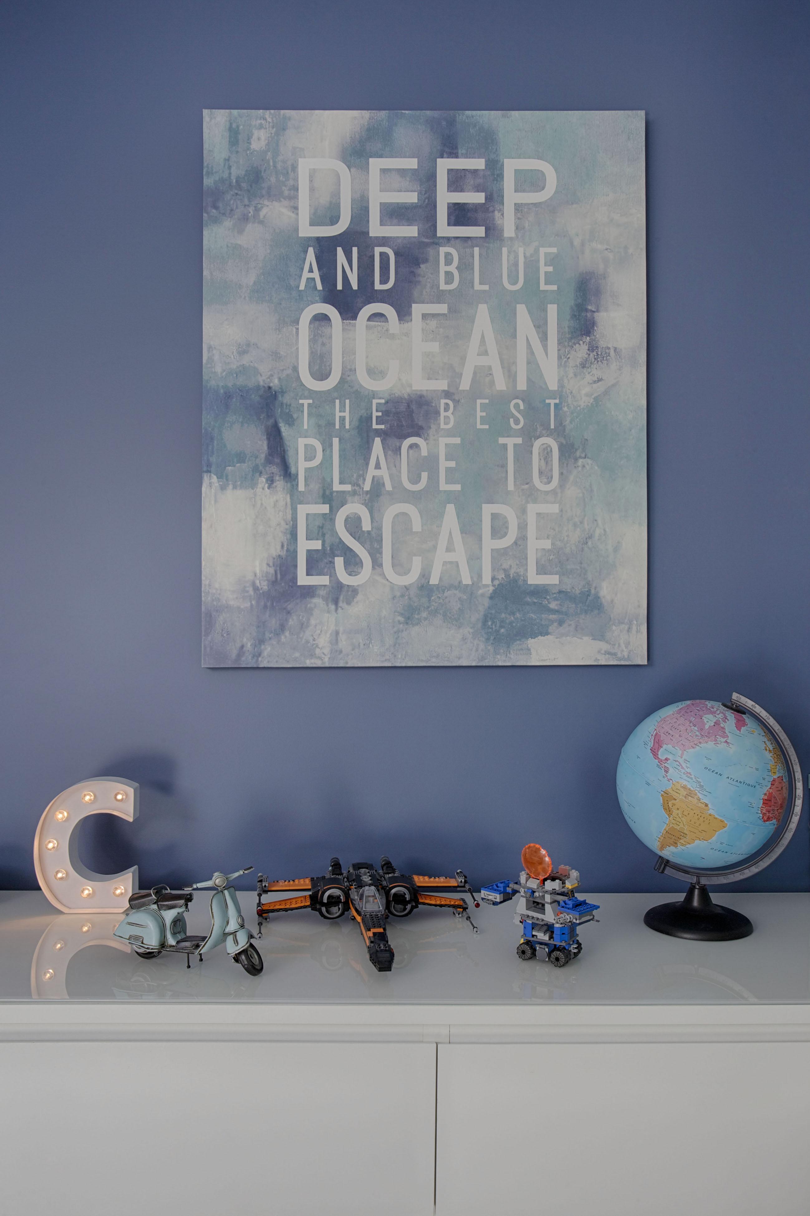 Du Bleu En Peinture Et En Tableau Pour Chambre D'enfant Par destiné Tableau De Peinture Pour Enfant