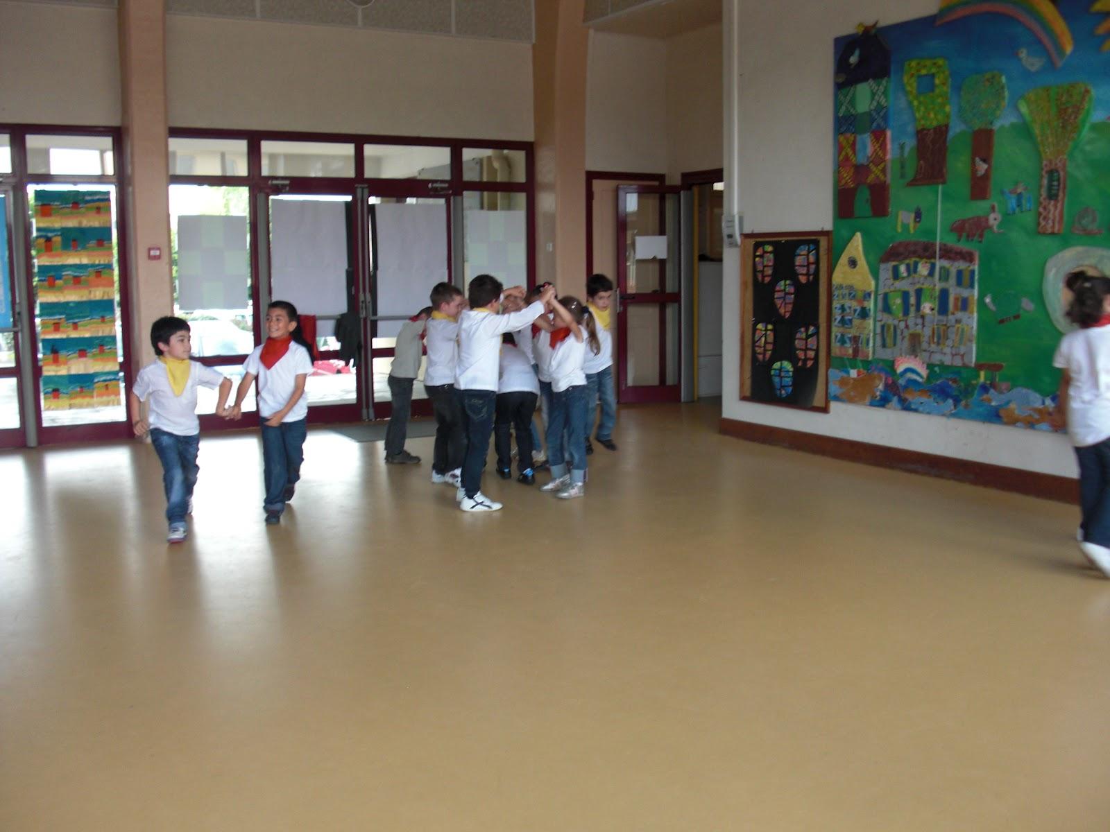 École Martin Nadaud Bourganeuf: Spectacle De Fin D'année intérieur Frere Jacques Anglais