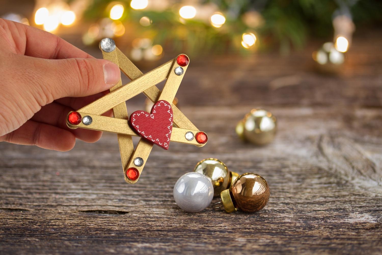 Etoiles De Noël - Noël - 10 Doigts serapportantà Bricolage Avec Baton De Bois