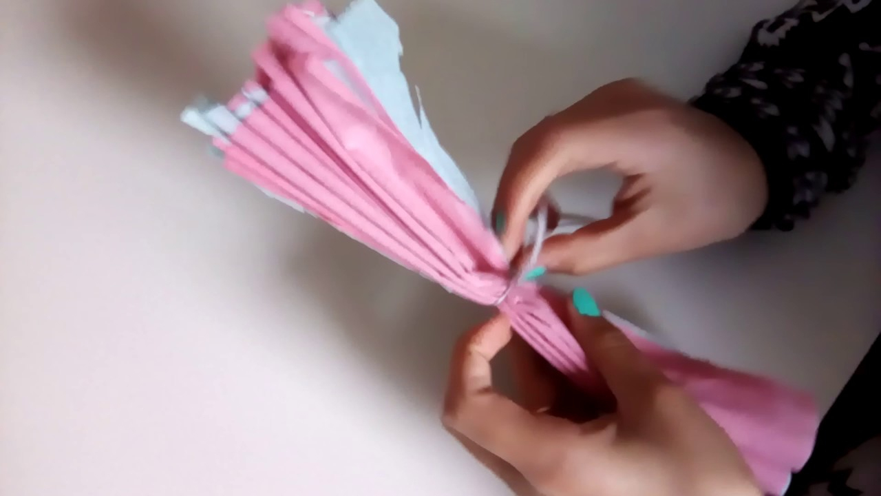 🌹🌹🌸🌸comment Faire Une Fleur En Papier Crépon ( 1 Ère Vidéo Série  Diy)🌸🌸🌹🌹 serapportantà Realisation Papier Crepon