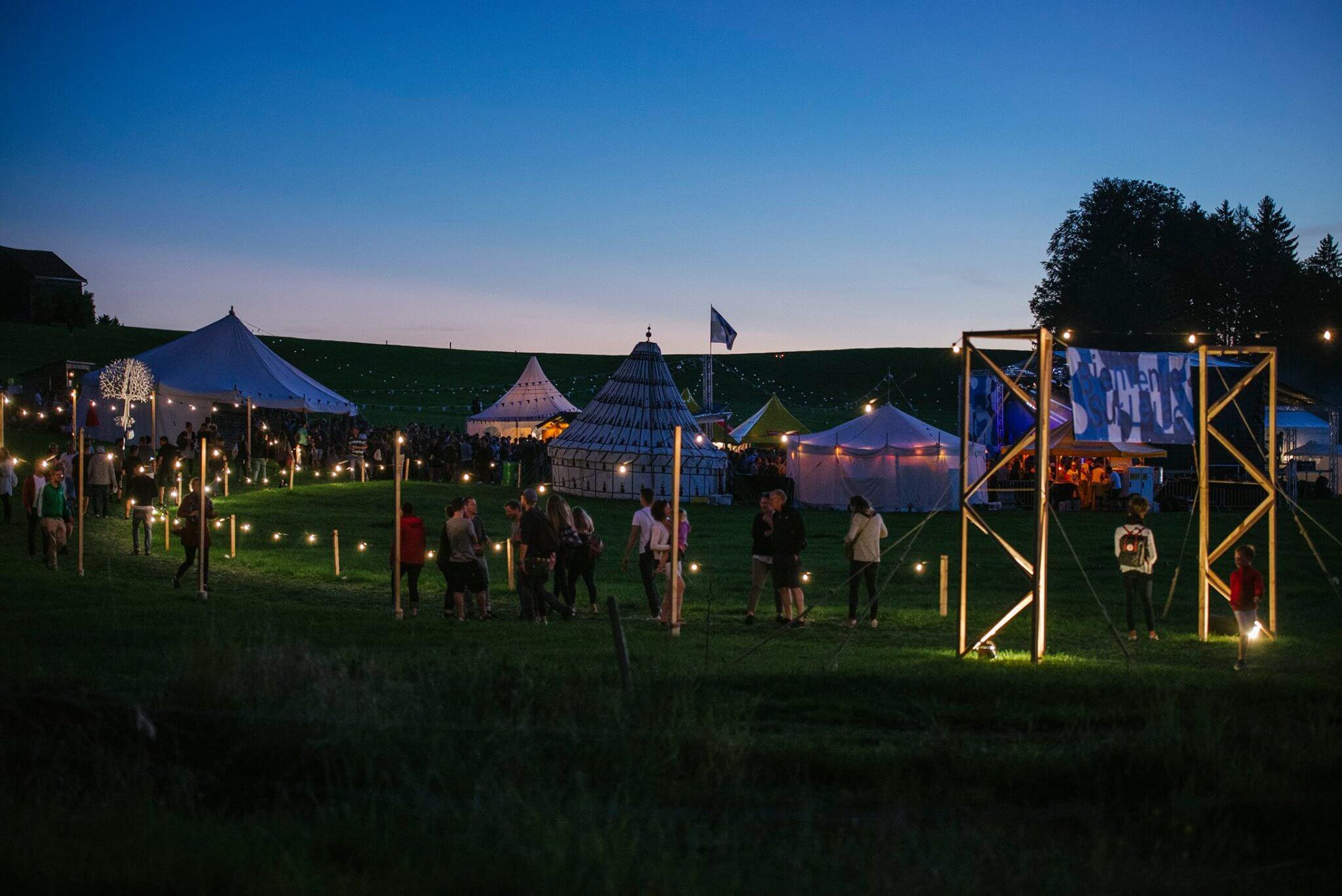 Festival Sur Le Lac: Die Schwester Vom B-Sides pour Ah Les Cro