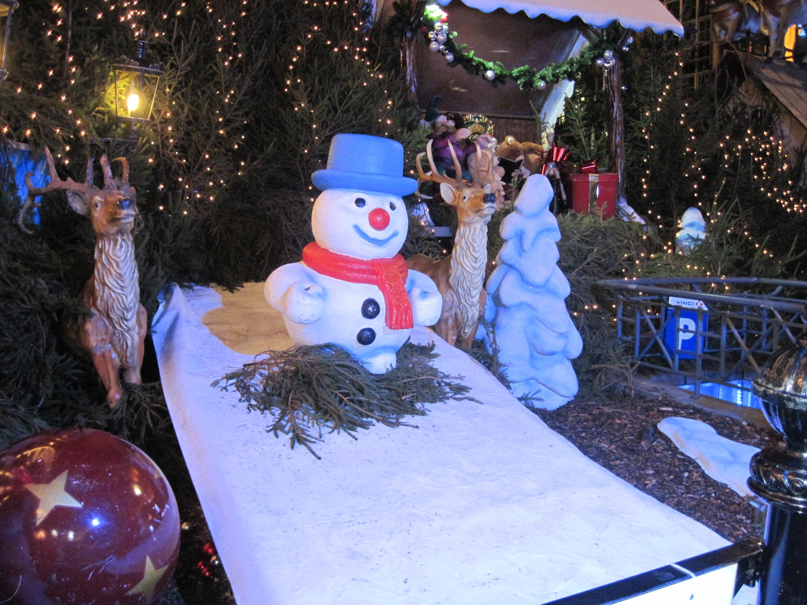 Fêter Noël | La Maternelle Et Le Cp À La Maison tout Caillou Fete Noel