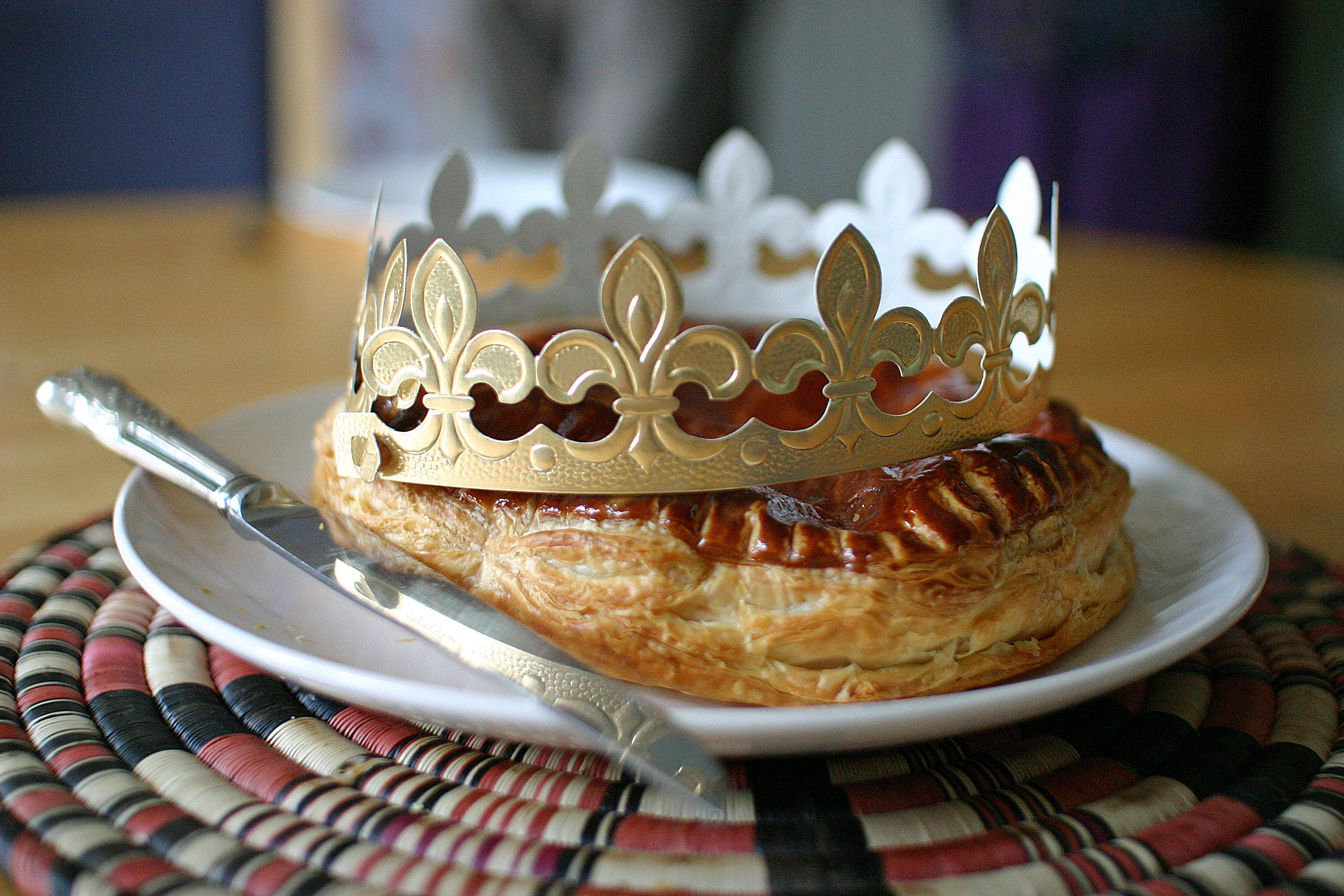 File:galette Des Rois Exemple - Wikimedia Commons serapportantà Image De Galette Des Rois