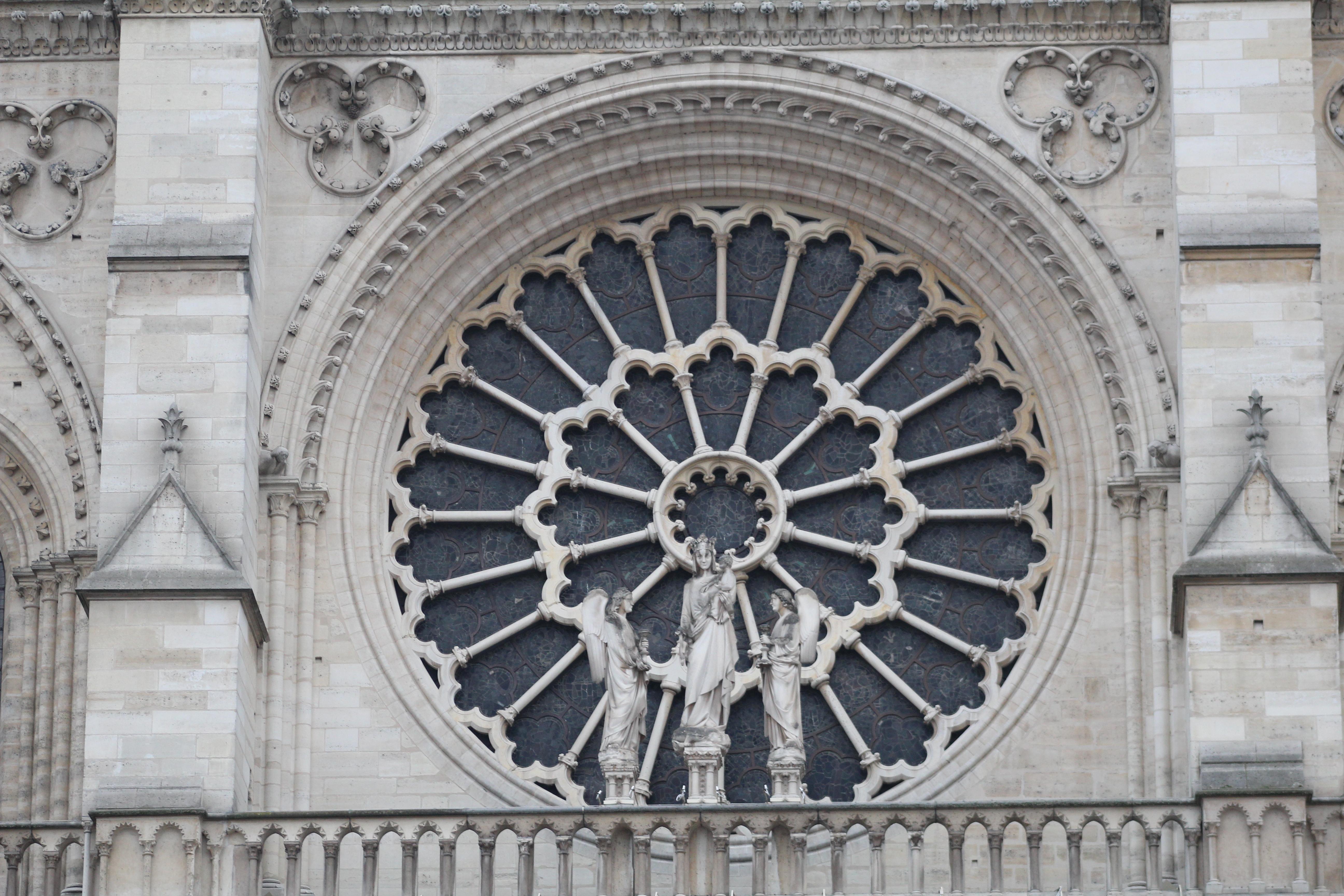 File:rosace Façade Ouest Cathédrale Notre-Dame Paris 1 avec Image De Rosace