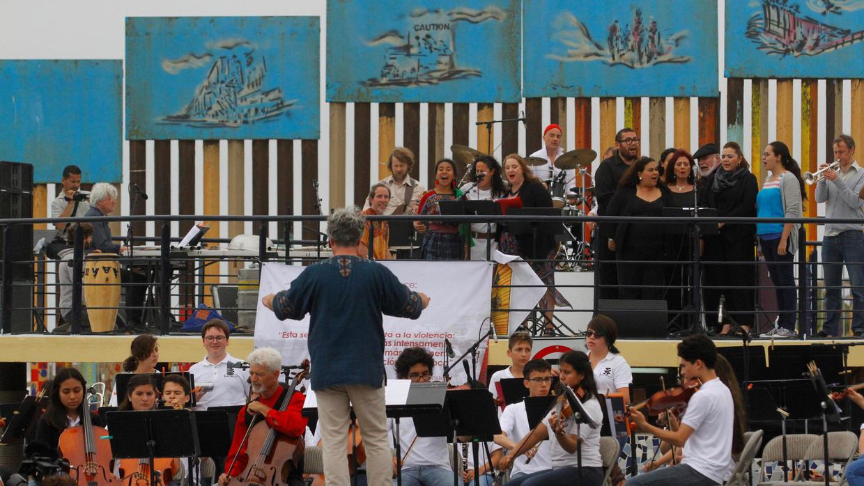 Frontière Américano-Mexicaine: Un Concert Organisé Contre La tout Musicien Mexicain