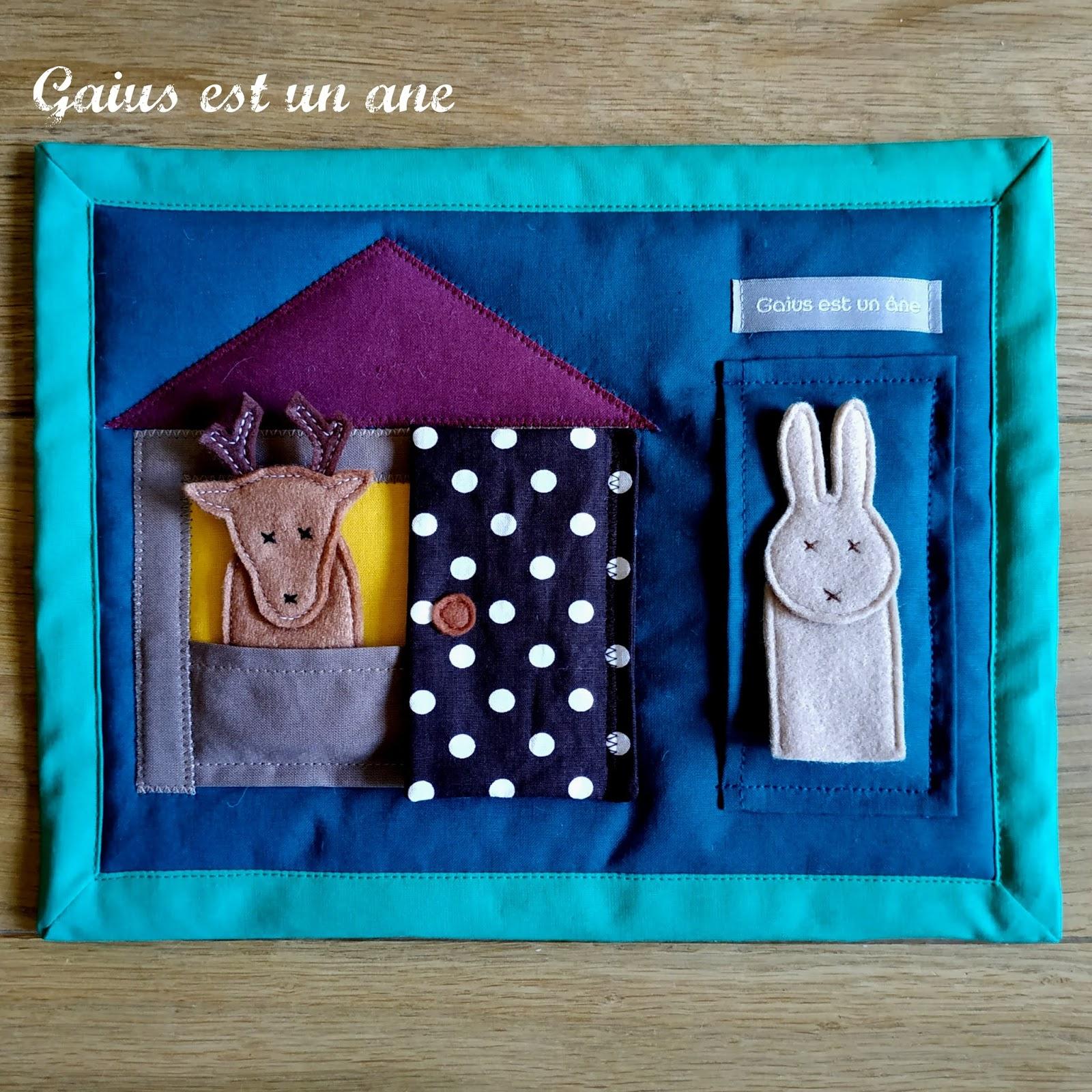 Gaius Est Un Âne: Dans Sa Maison Un Grand Cerf avec Chanson Du Cerf Et Du Lapin