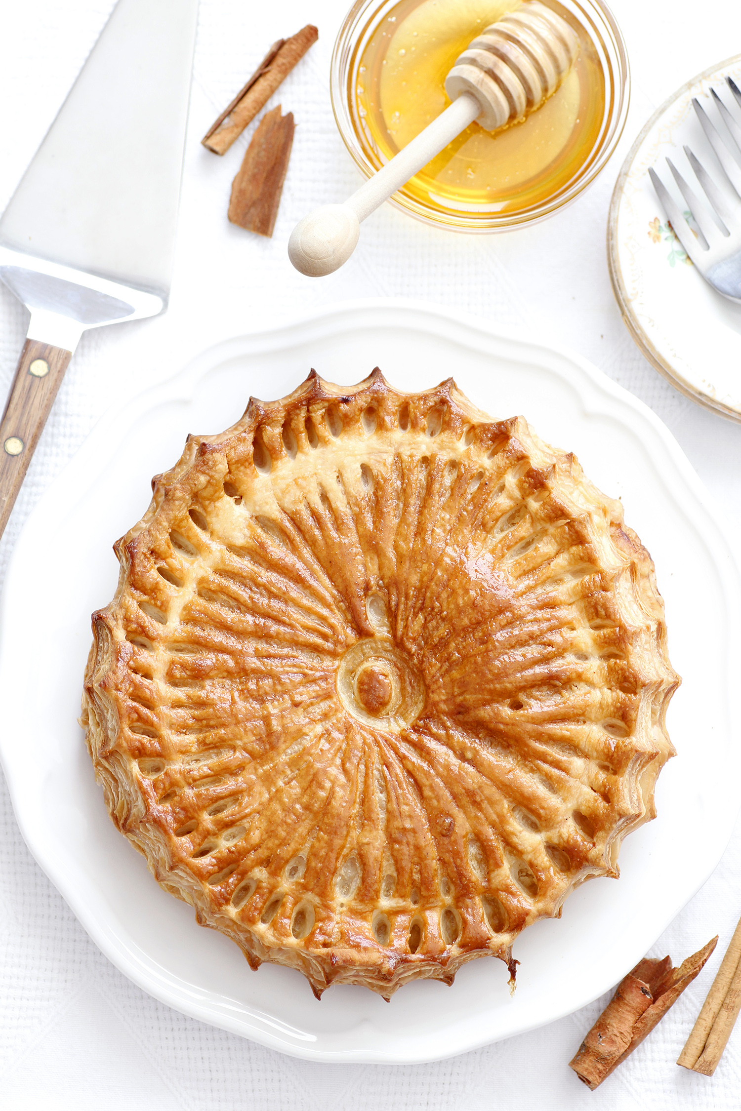 Galette Des Rois - The King's Cake intérieur Image De Galette Des Rois