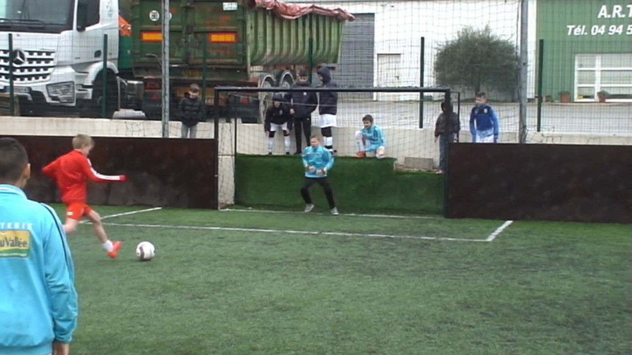 Gardien De But U12 Actions De Jeu De Julien Castiglioni Au Tournoi  Goalinsports encequiconcerne Jeux De Foot Gardien De But