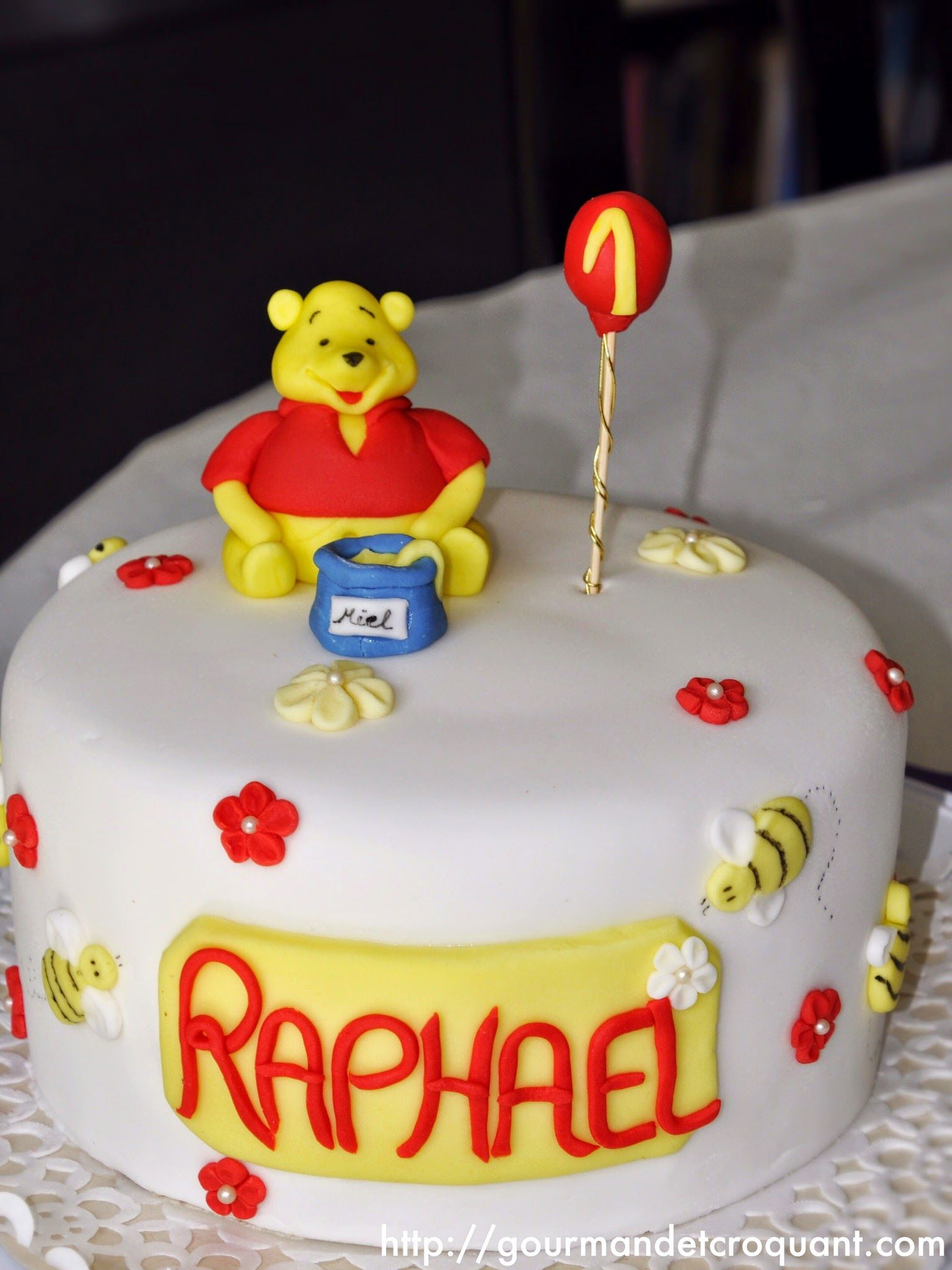 Gâteau D'anniversaire Winnie L'ourson | Anniversaire Winnie destiné Gateau Anniversaire Winnie L Ourson