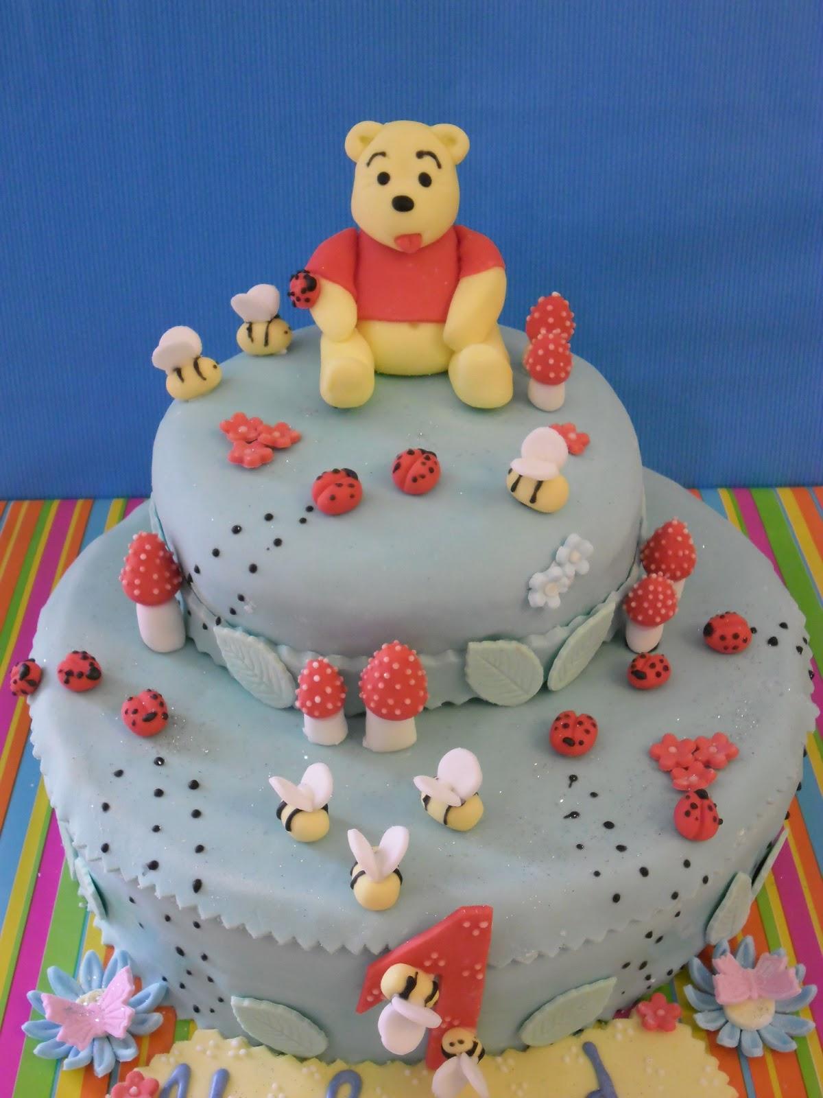 Gateaux D'aline: Gâteau D'anniversaire Winni L'ourson intérieur Gateau Anniversaire Winnie L Ourson