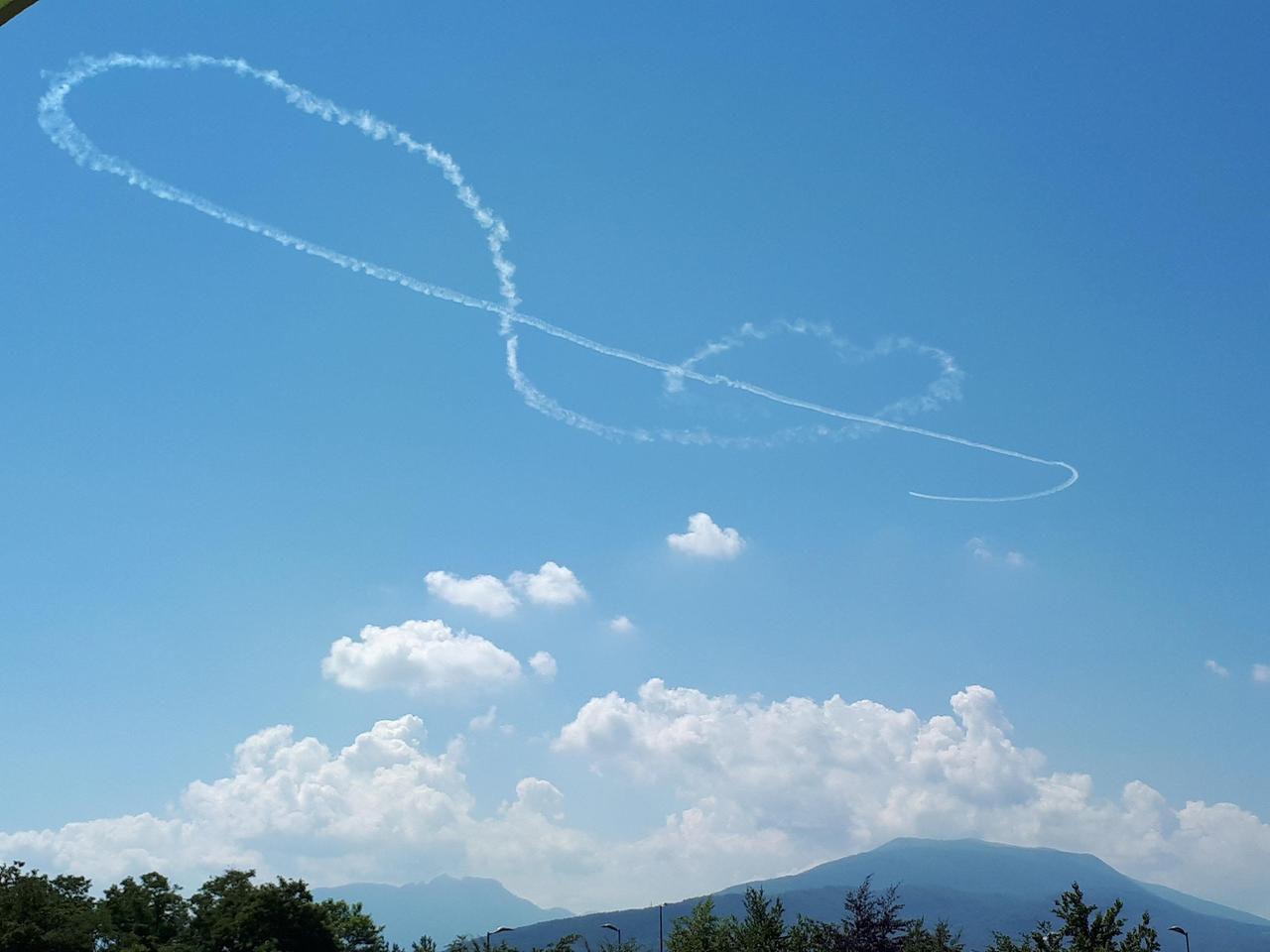 Il Dessine Dans Le Ciel : Walter Dintinger, L'unique Pilote tout Avion De Oui Oui
