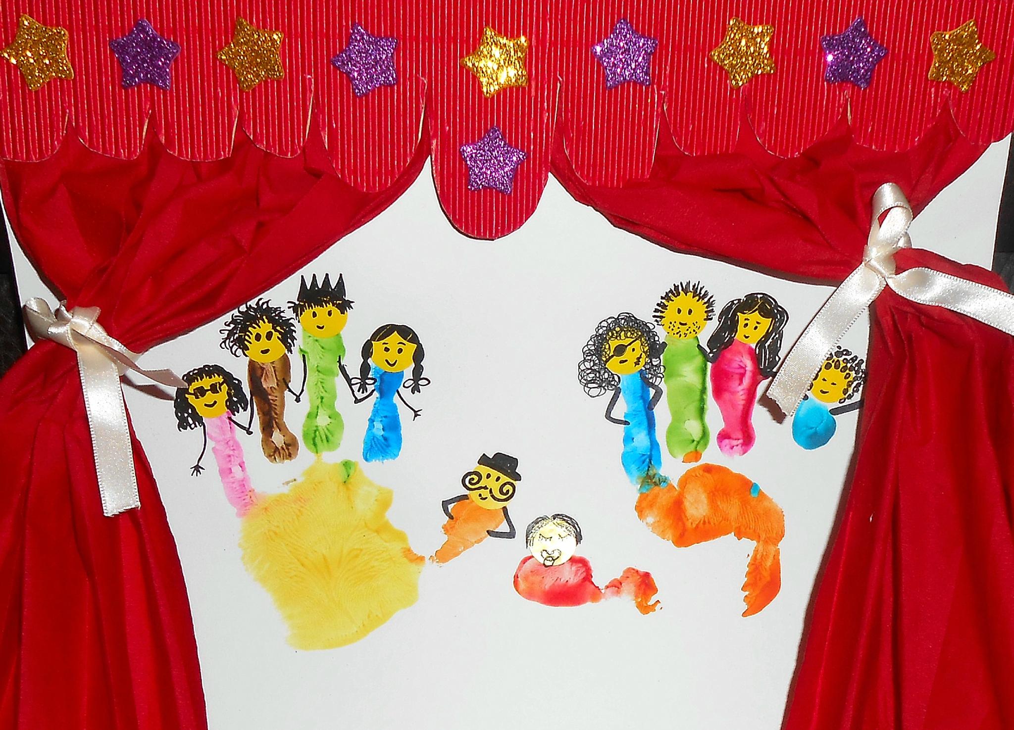 """Illustration De La Comptine: """"ainsi Font, Font, Font, Les avec Les Petites Marionnettes Chanson"""