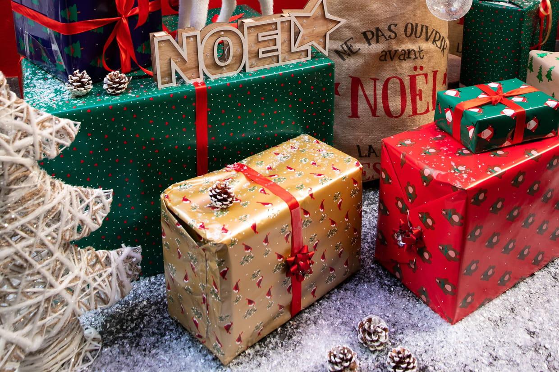Joyeux Noël : Carte, Sms, Vidéos Des Idées De Vœux concernant Comment Souhaiter Un Joyeux Anniversaire En Anglais