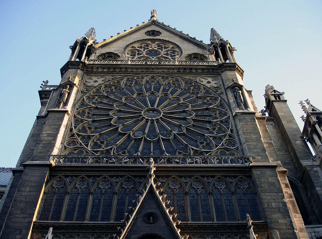La Façade Du Croisillon Nord Du Transept Avec La Rosace Nord dedans Image De Rosace