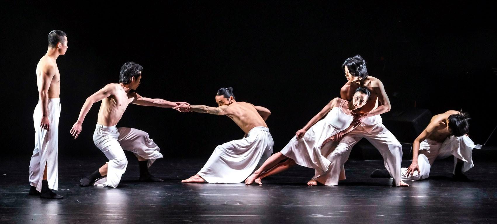 Le Chant De L'eau : Un Spectacle Musical Et Dansé Au tout Spectacle Danse Chinoise