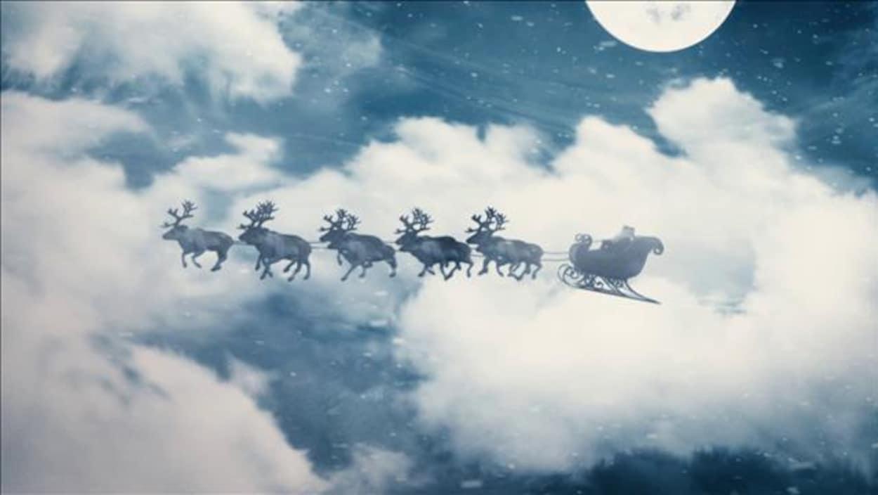 Le Traîneau Du Père Noël Serait Tiré Par Des Rennes Femelles intérieur Image Du Pere Noel Et Son Traineau