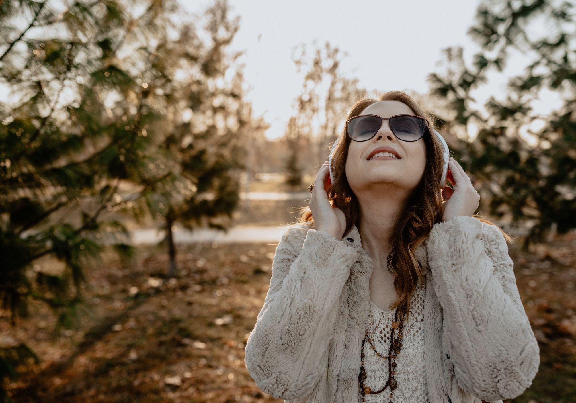 Les Chansons Qui Vous Rendent Belles Et Fortes - Elle encequiconcerne Chanson Pense À Moi