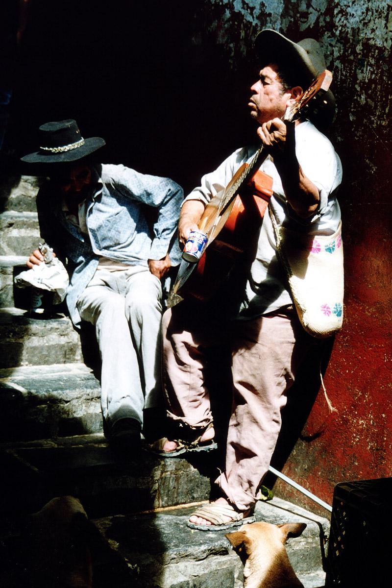 Les Mariachis - Héros Du Mexique encequiconcerne Musicien Mexicain