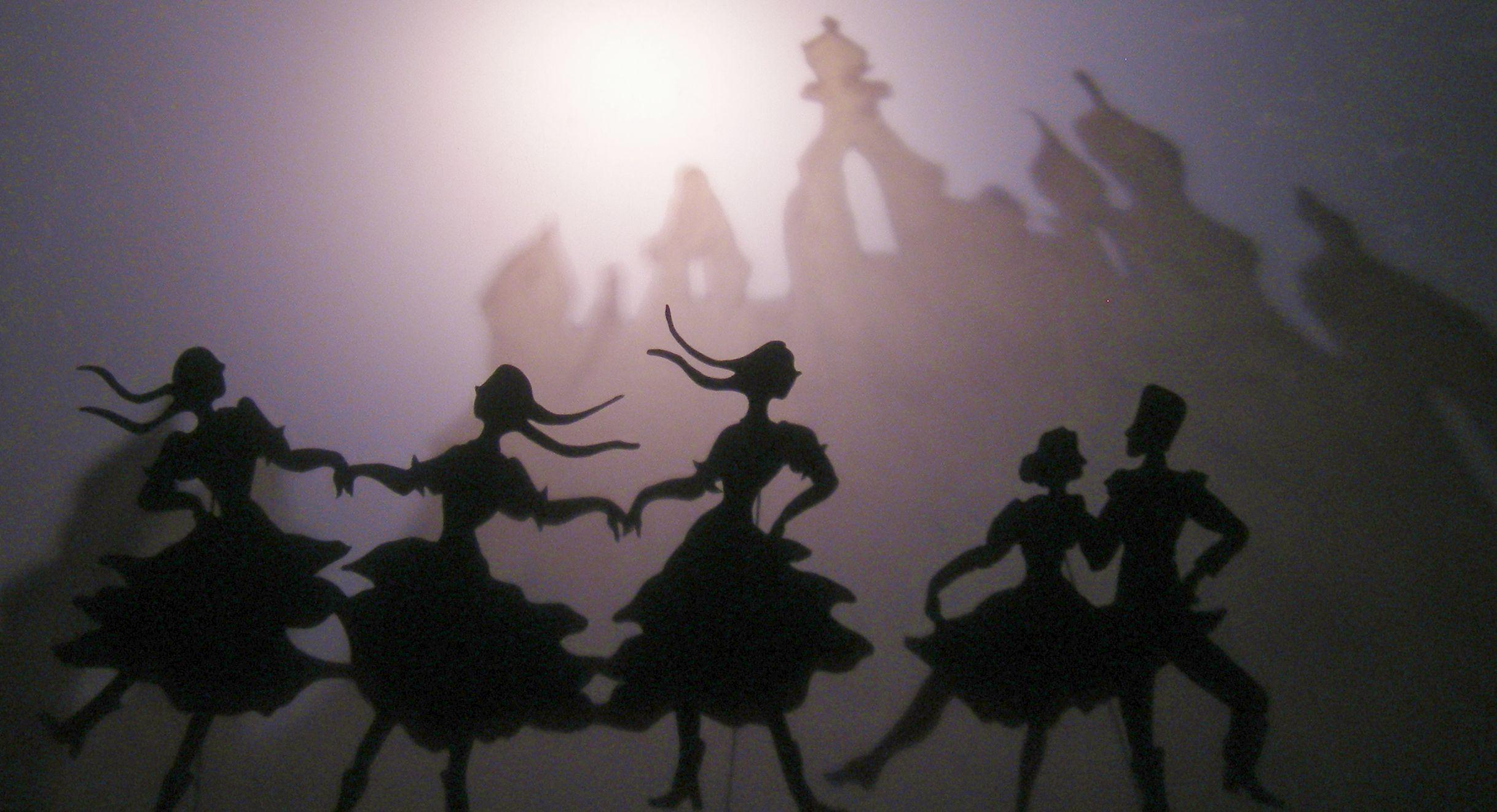 Les Spectacles Du Theatre Des Ombres : Une Compagnie tout Spectacle Danse Chinoise