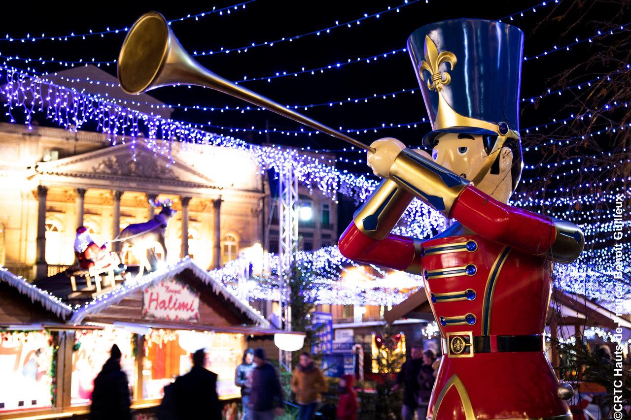 Marché De Noël De Saint-Quentin : 10 Bonnes Raisons D'y Aller intérieur Caillou Fete Noel