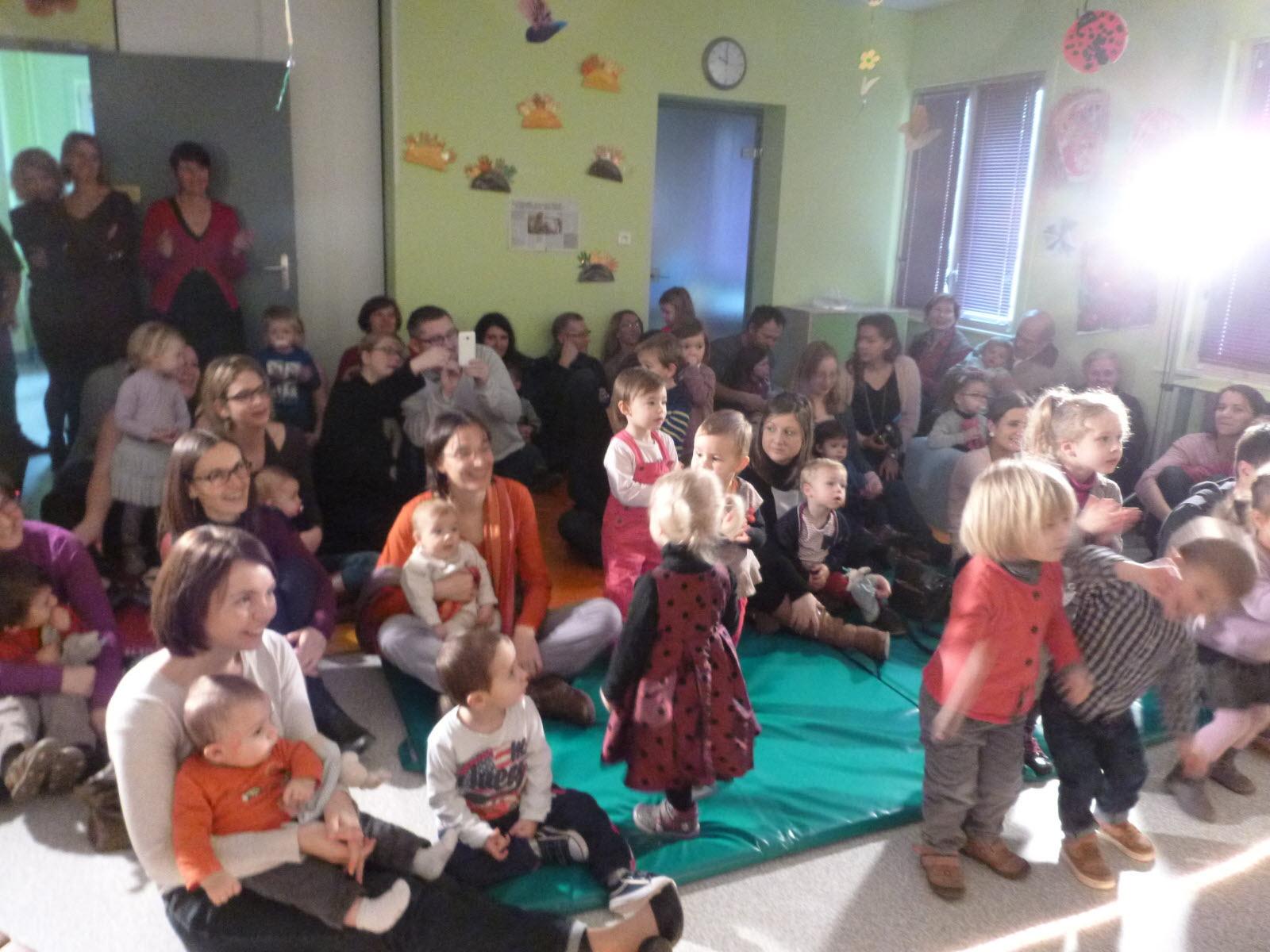 Mirebeau-Sur-Bèze | Mirebeau-Sur-Bèze : Fête De Noël Chez avec Caillou Fete Noel