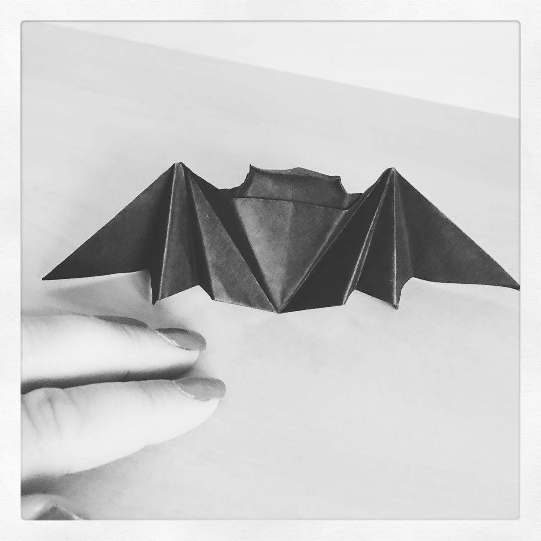 Origami Chauve-Souris #origami #art #handmade #paperart concernant Origami Chauve Souris