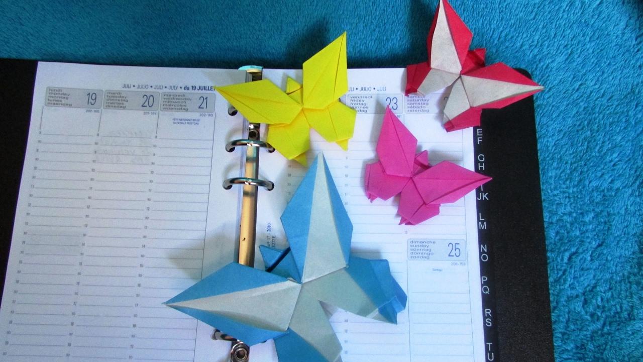 Origami : 📖 📑 Marque-Page 🦋 Papillon (Grzegorz Bubniak) serapportantà Origami Petit Bateau