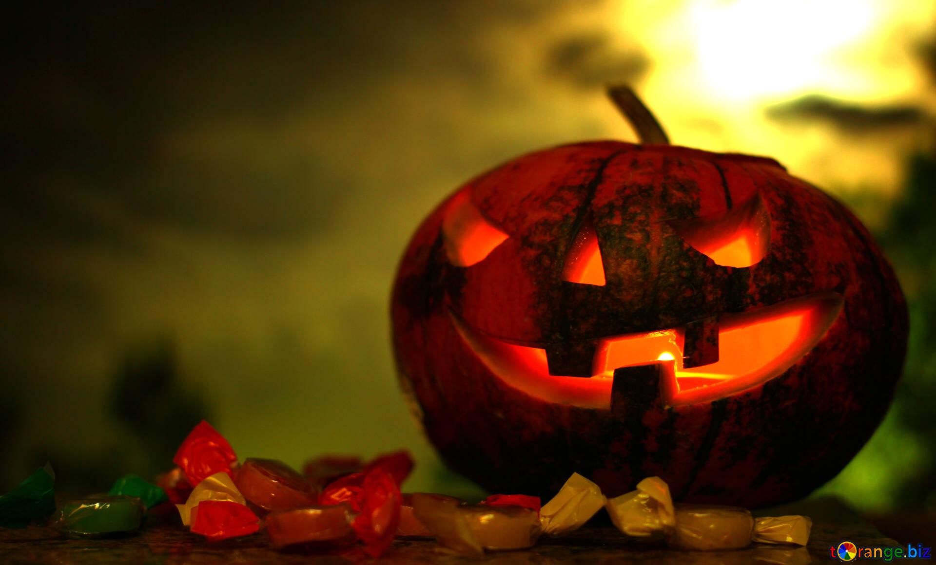 Origines D'halloween Citrouille D'halloween Sur Un Coucher serapportantà Photo De Citrouille D Halloween