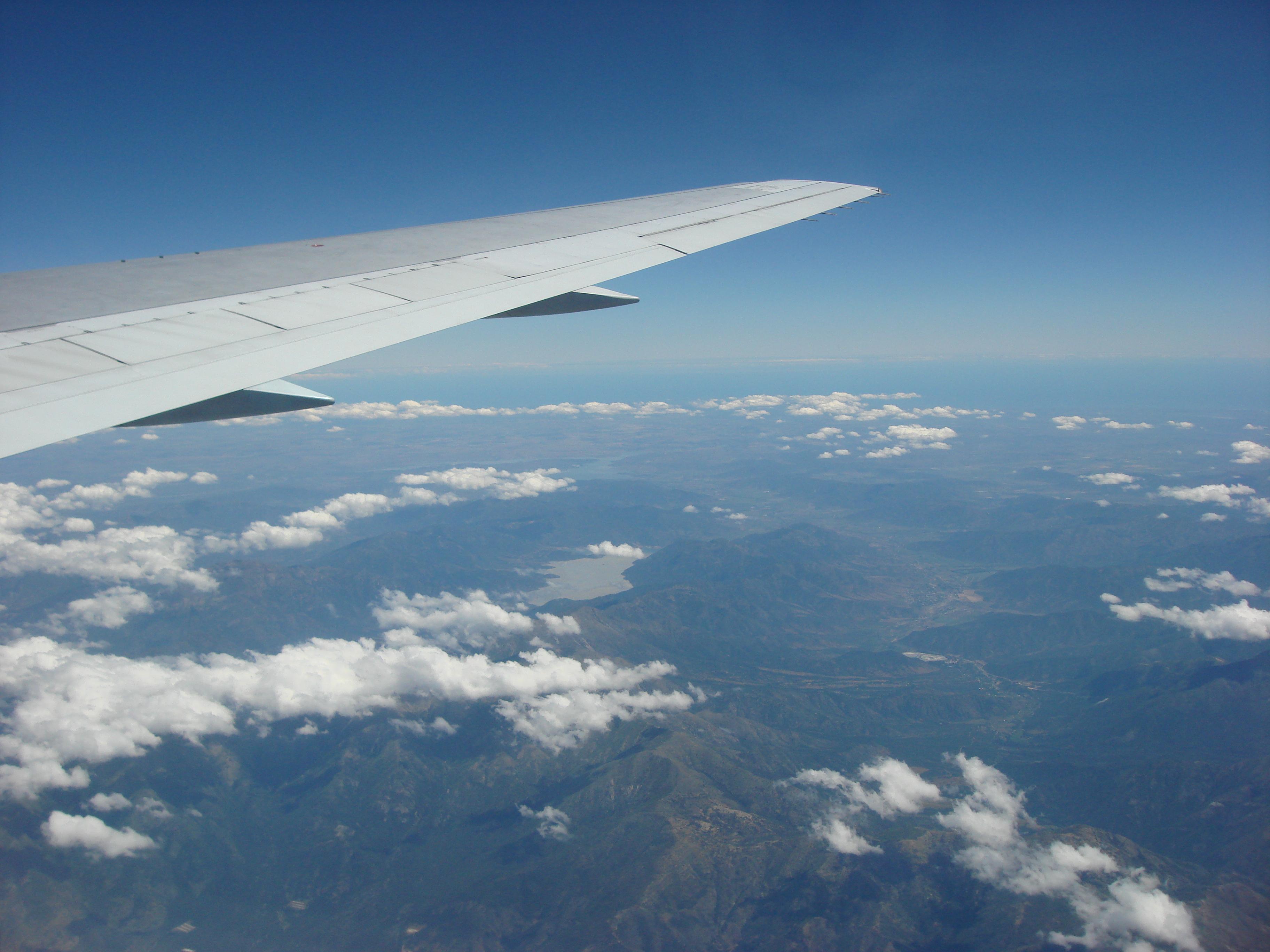Oui, Voyageons Avec Nos Enfants! - Taxi-Brousse encequiconcerne Avion De Oui Oui
