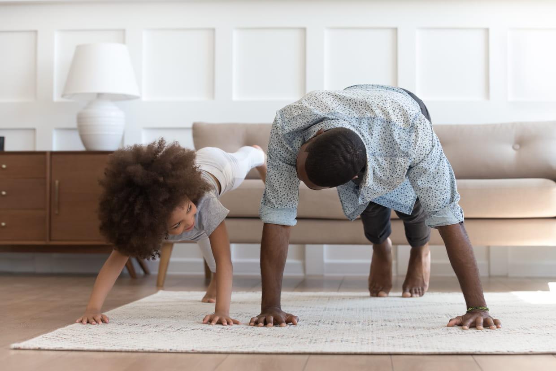 Sport À La Maison Avec Les Enfants : 9 Idées À Tester En avec Jeux Sportifs 6 12 Ans
