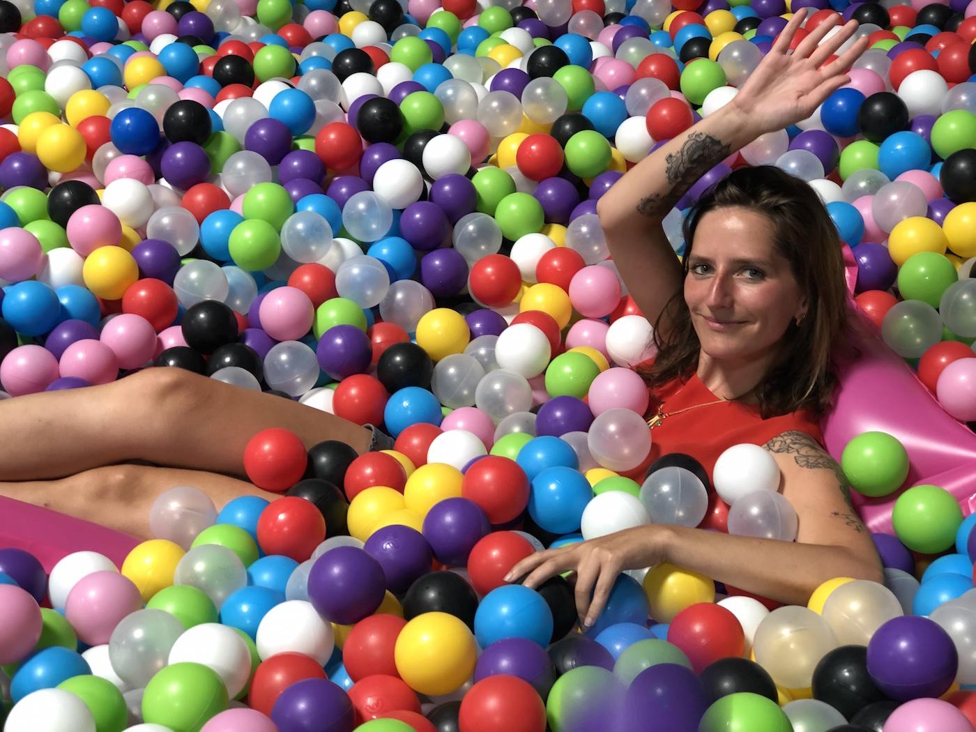 Strasbourg : Une Salle De Jeux Gonflables Pour Adultes Vient encequiconcerne Jeu En Ligne Pour Adulte