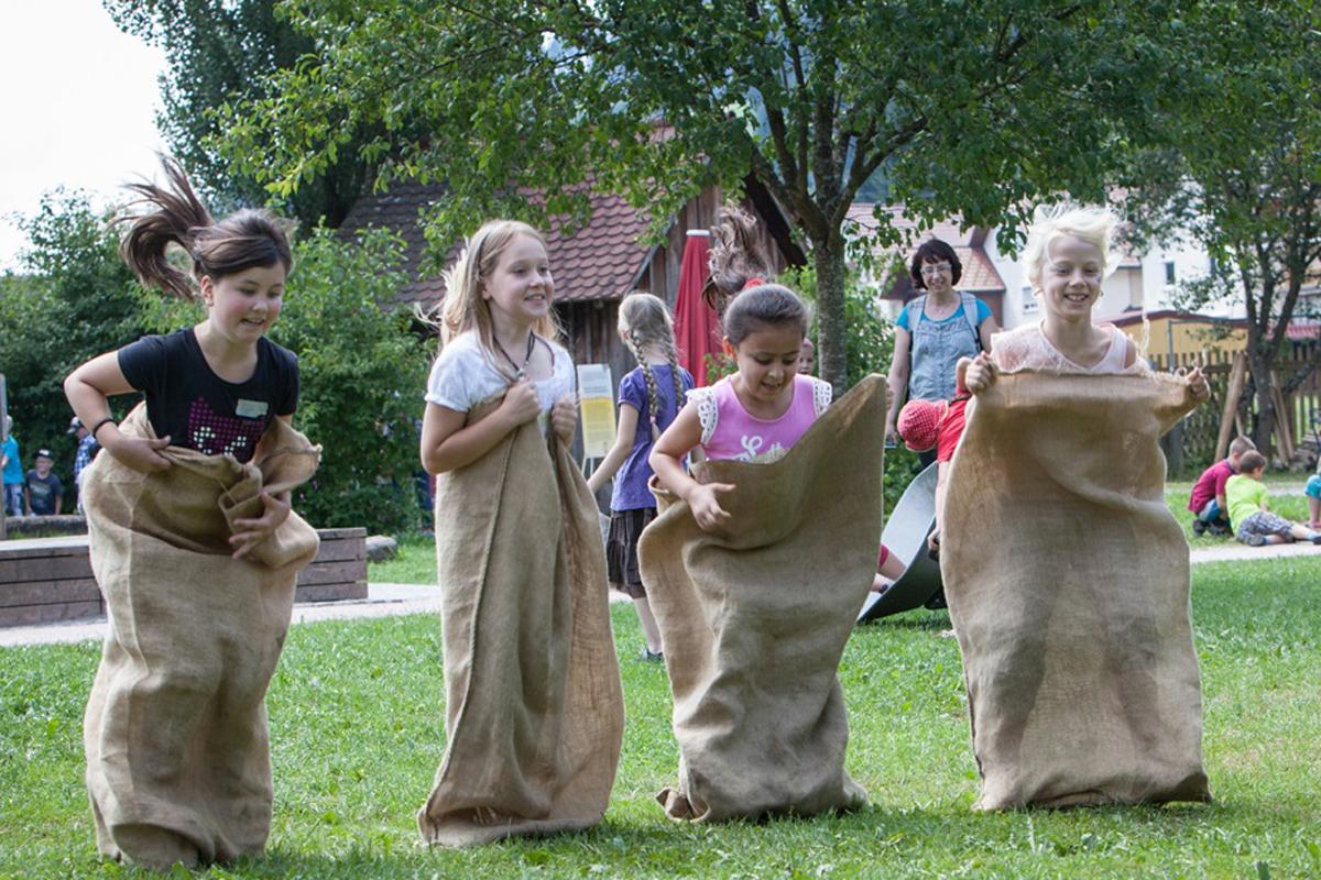 Travaux D'enfants, Jeux D'enfants - Découvertes Éducatives dedans Jeux Enfant Maternelle