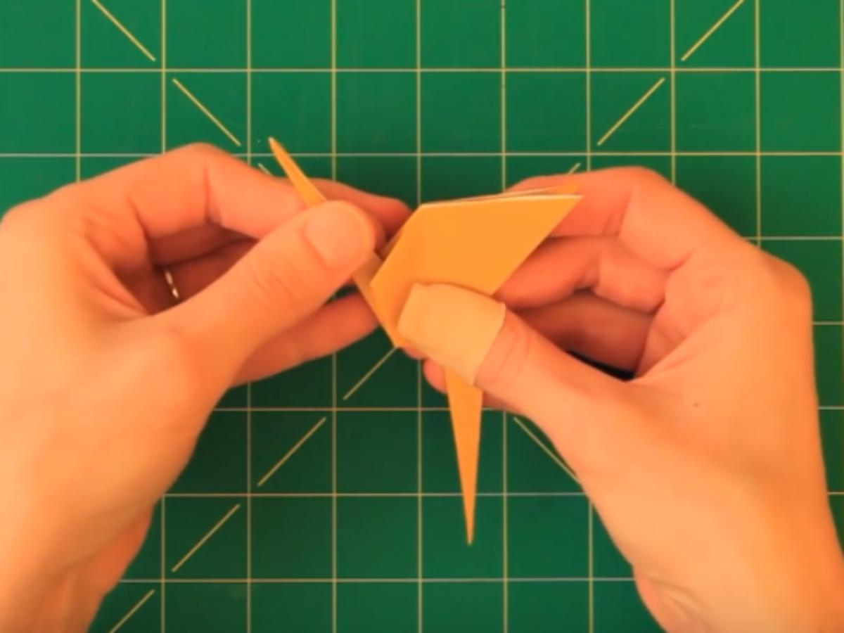 Tuto : Réalisez Un Flamant Rose En Origami dedans Origami Rose Facile A Faire