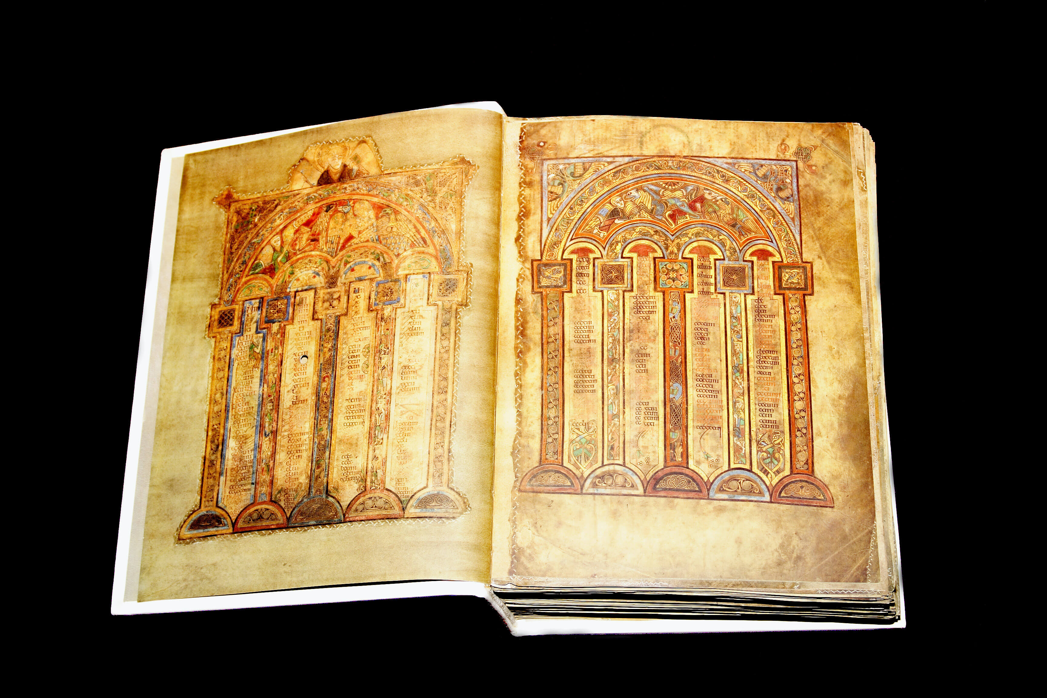 5 Must-See Sights Of Dublin pour Script In The Book Of Kells