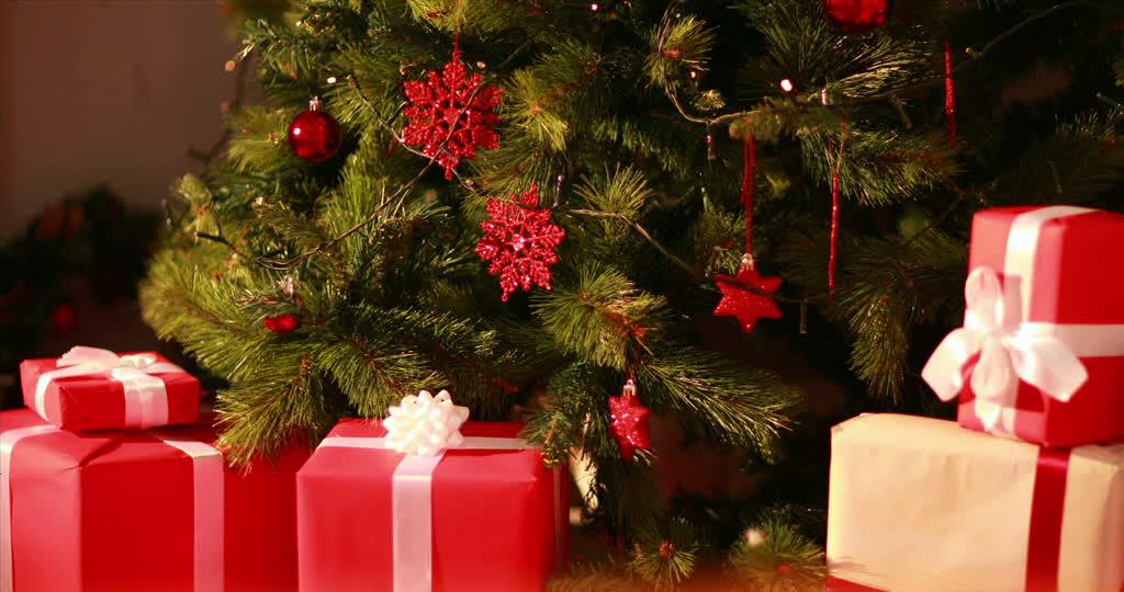 Adit Technopole Anticipa serapportantà Sapin De Noel Avec Cadeaux