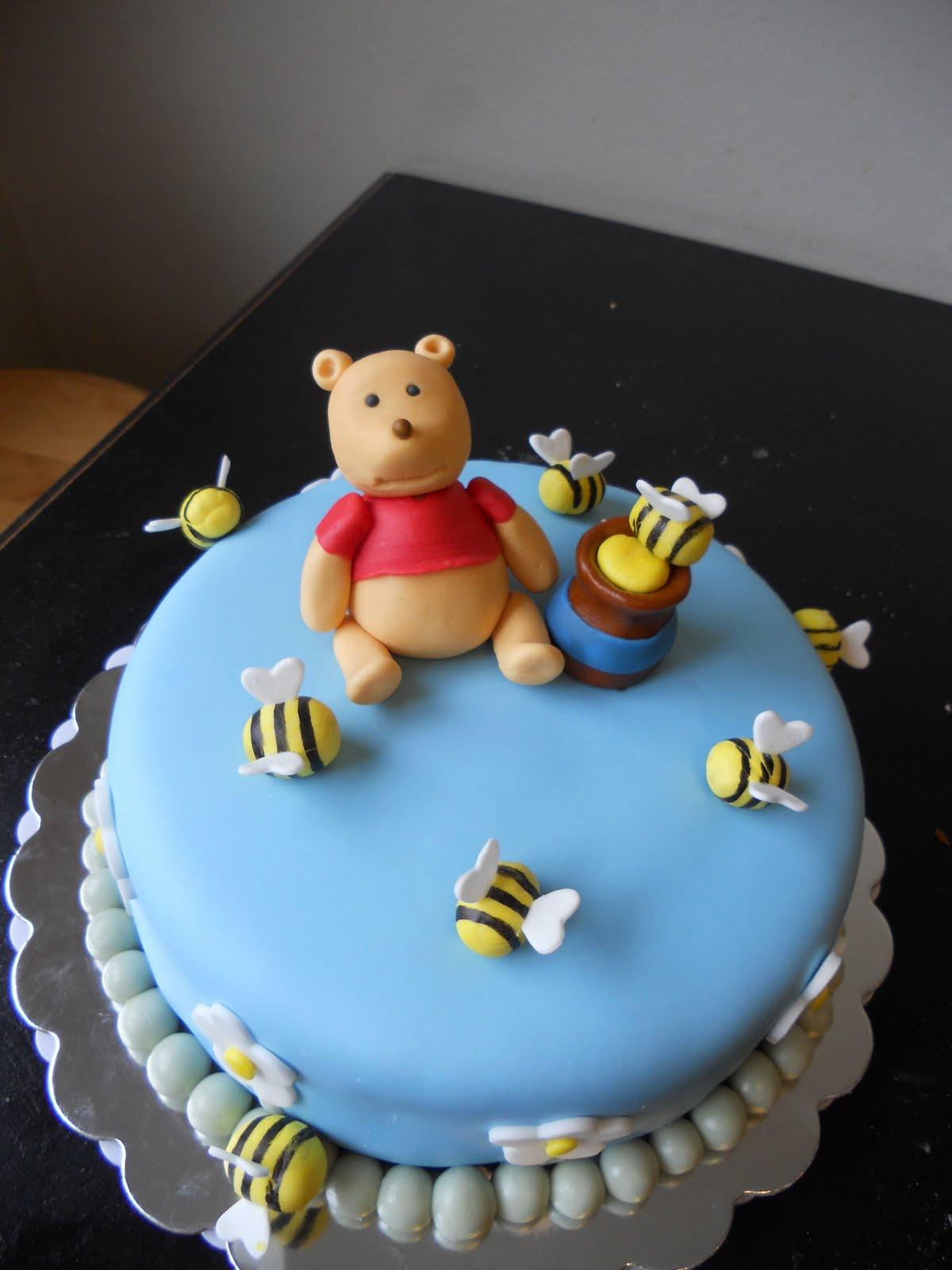 Amber'S Birthday Creations: Winnie The Pooh Cake dedans Pooh Gateau