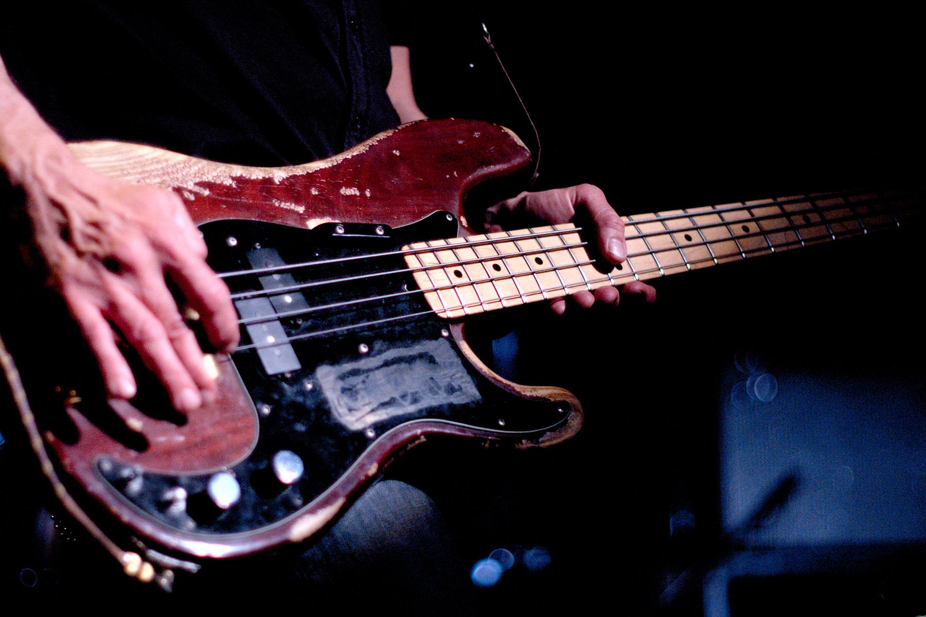 Bassiste — Wikipédia à Musicien Wikipedia