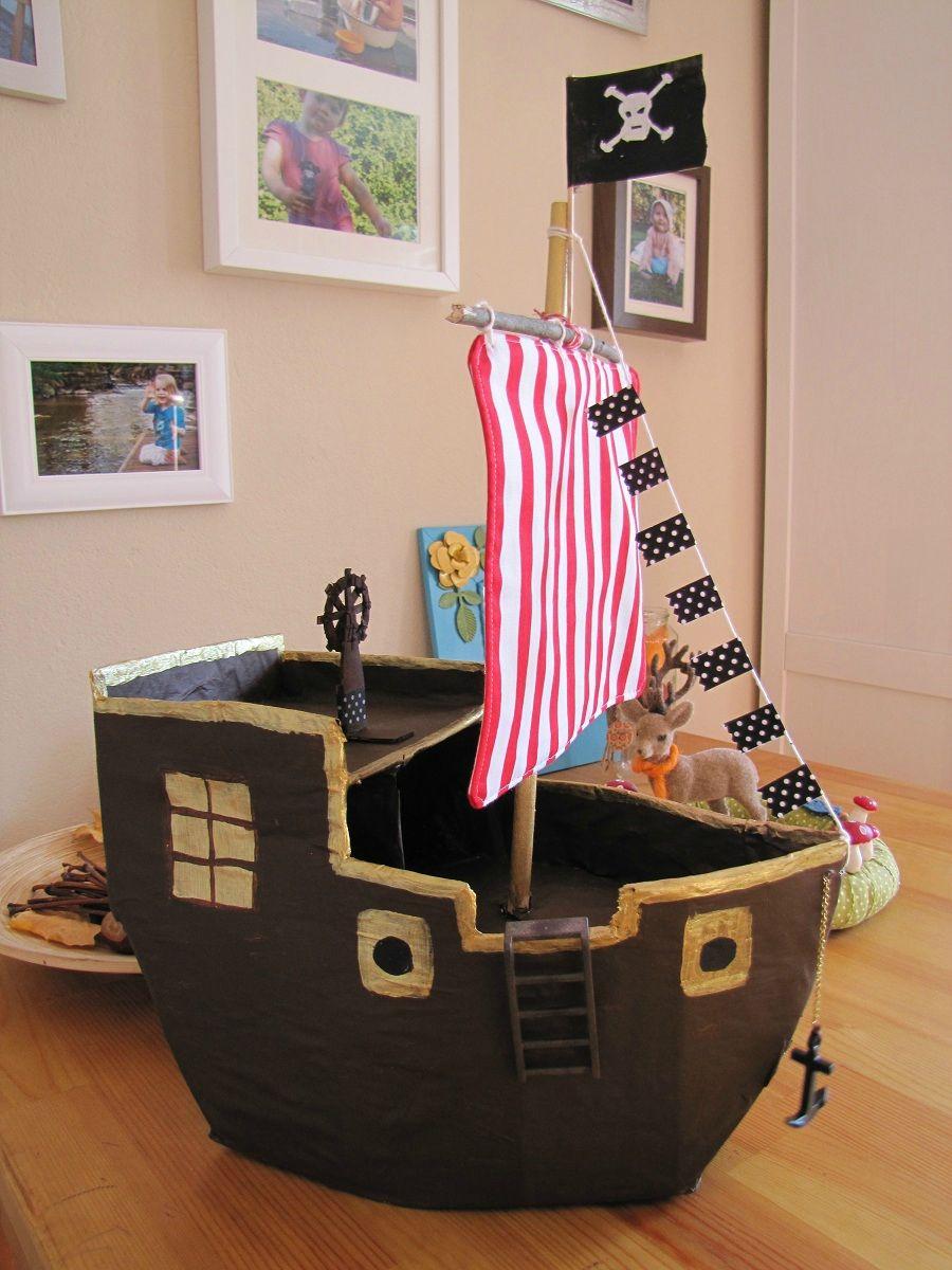 Bateau Pirate En Carton Piratenschiff Aus Karton encequiconcerne Fabriquer Un Bateau Pirate En Carton